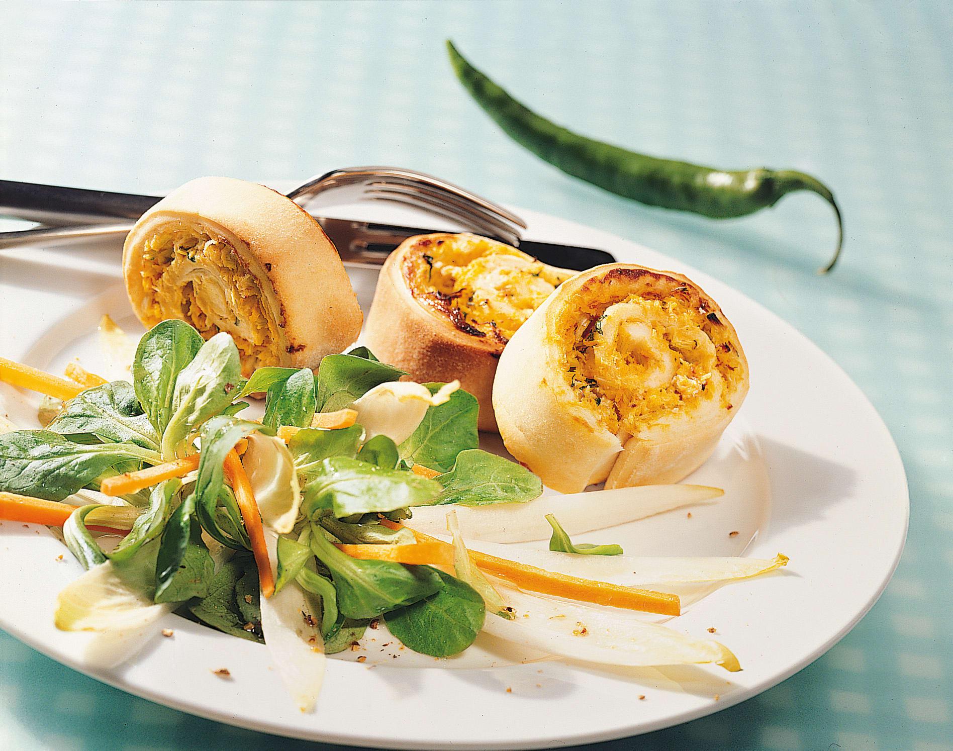 Scharfe Gemüseschnecken mit Wintersalat