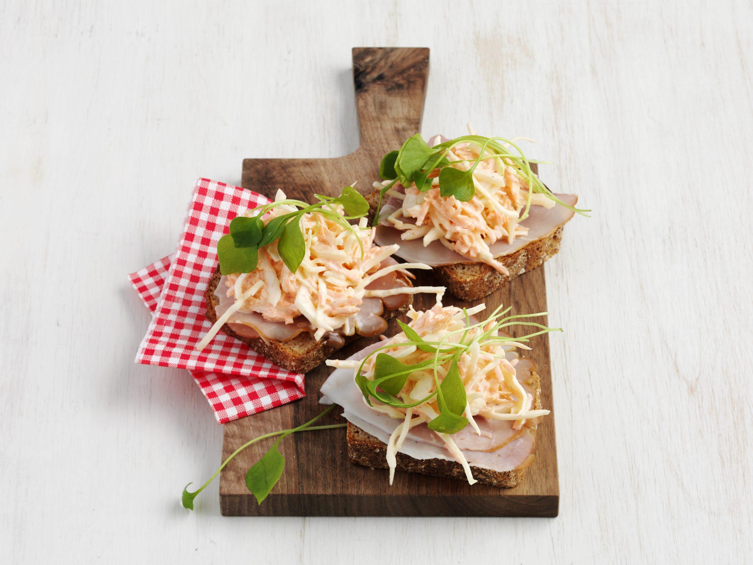 Schinken-Weisskohlsalat-Brote