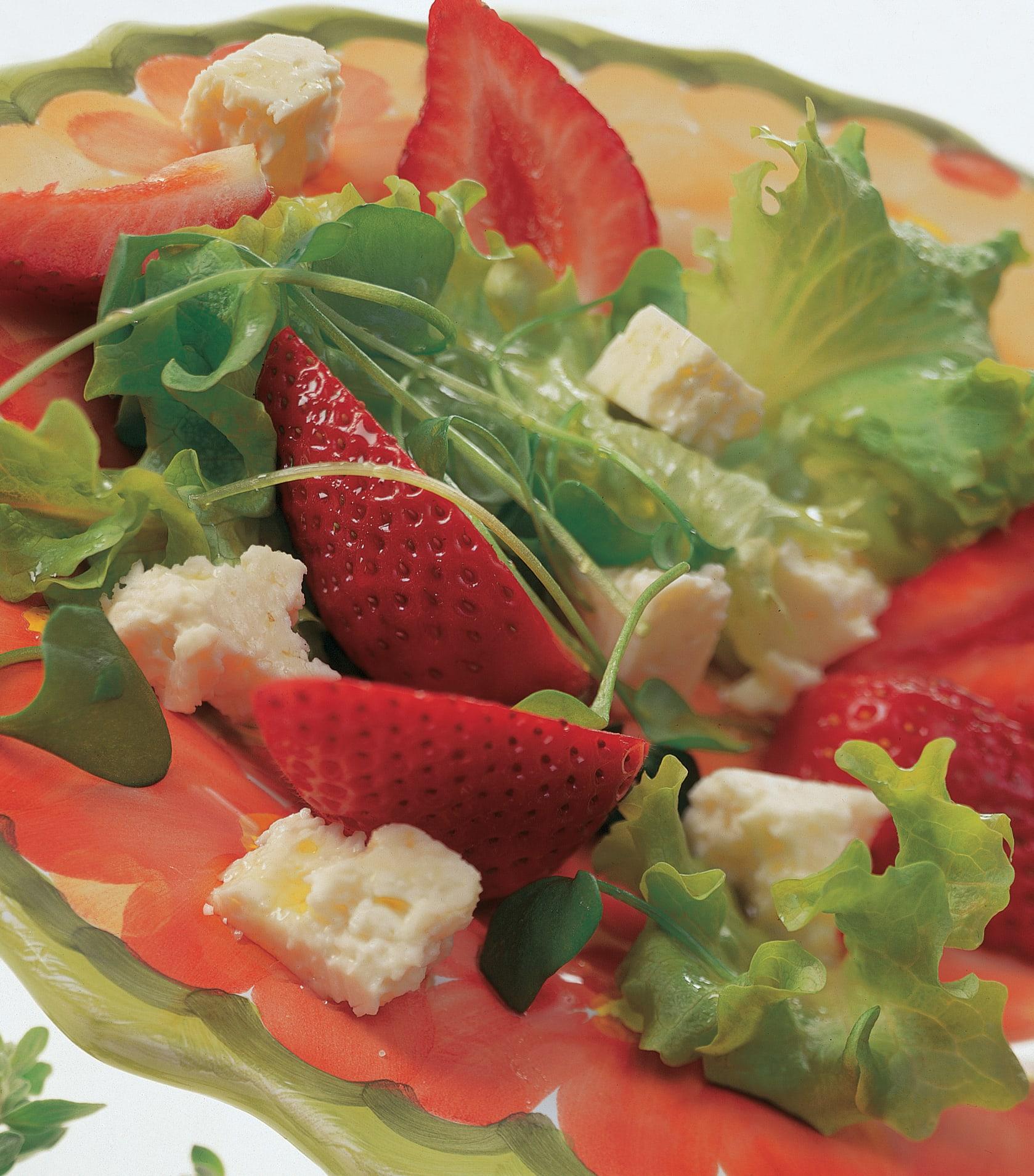 Salade à tondre aux fraises et au fromage frais