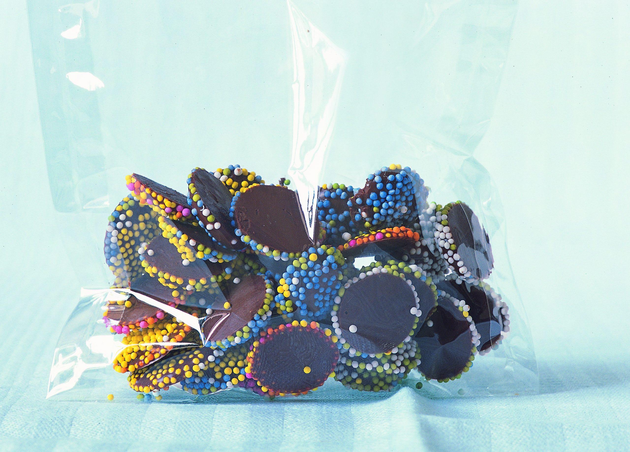 Petits chocolats aux nonpareilles