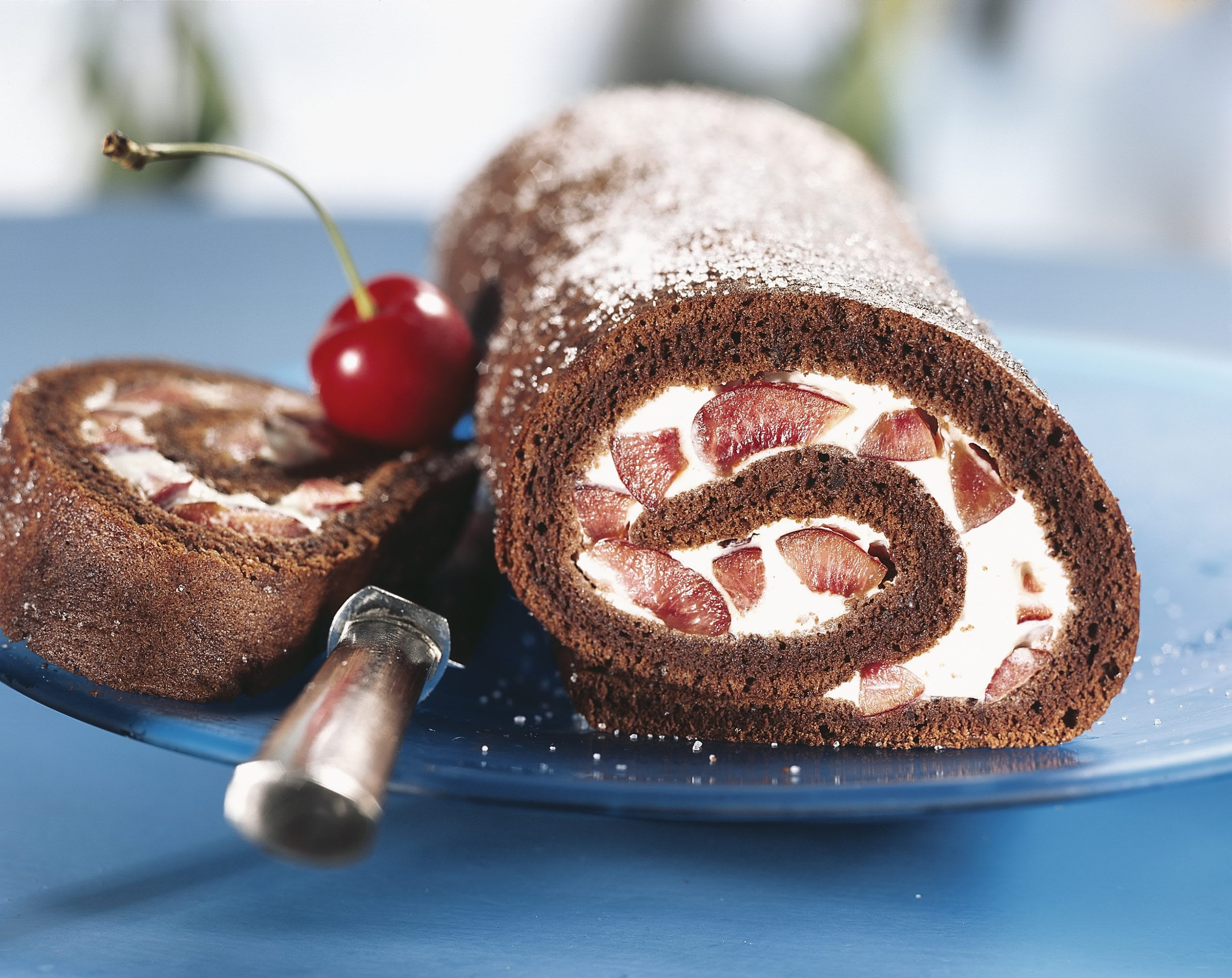 Schokolade-Kirschen-Roulade
