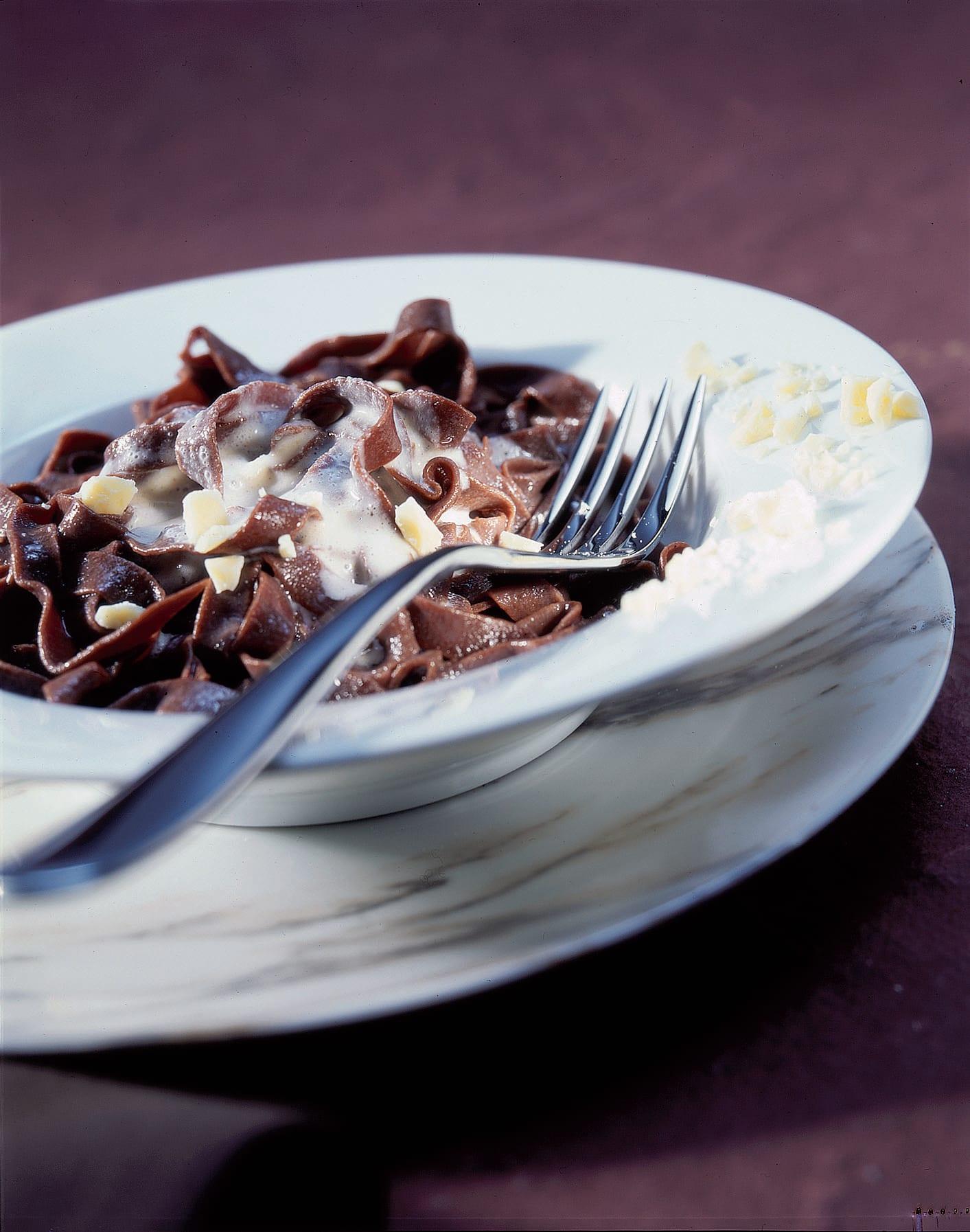 Nouilles au chocolat sauce cannelle