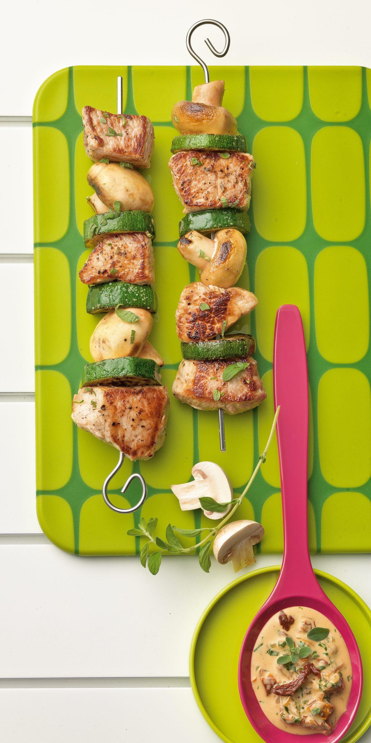 Brochettes de porc aux champignons