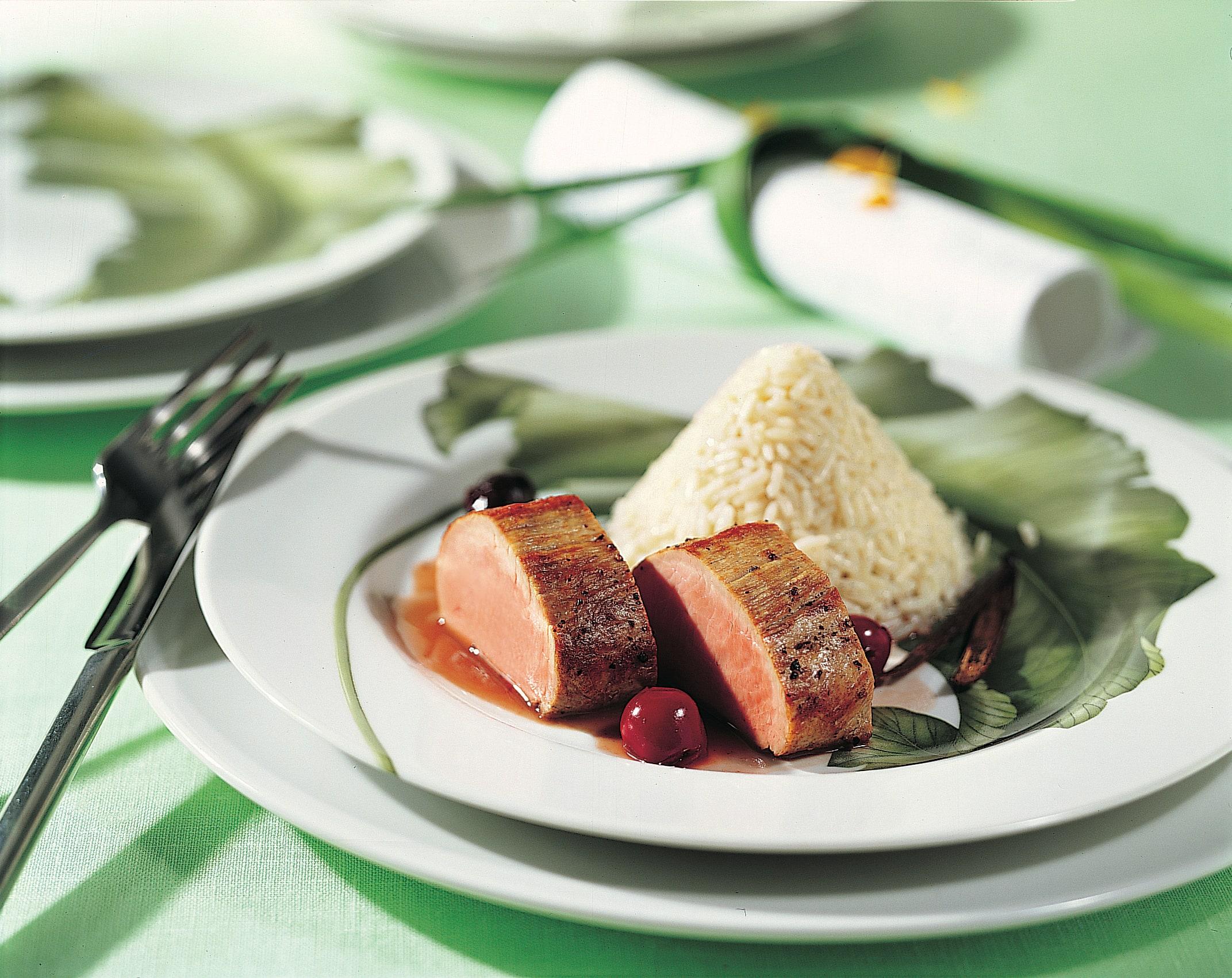 Schweinsfilet mit Kirschen und vanilliertem Reis