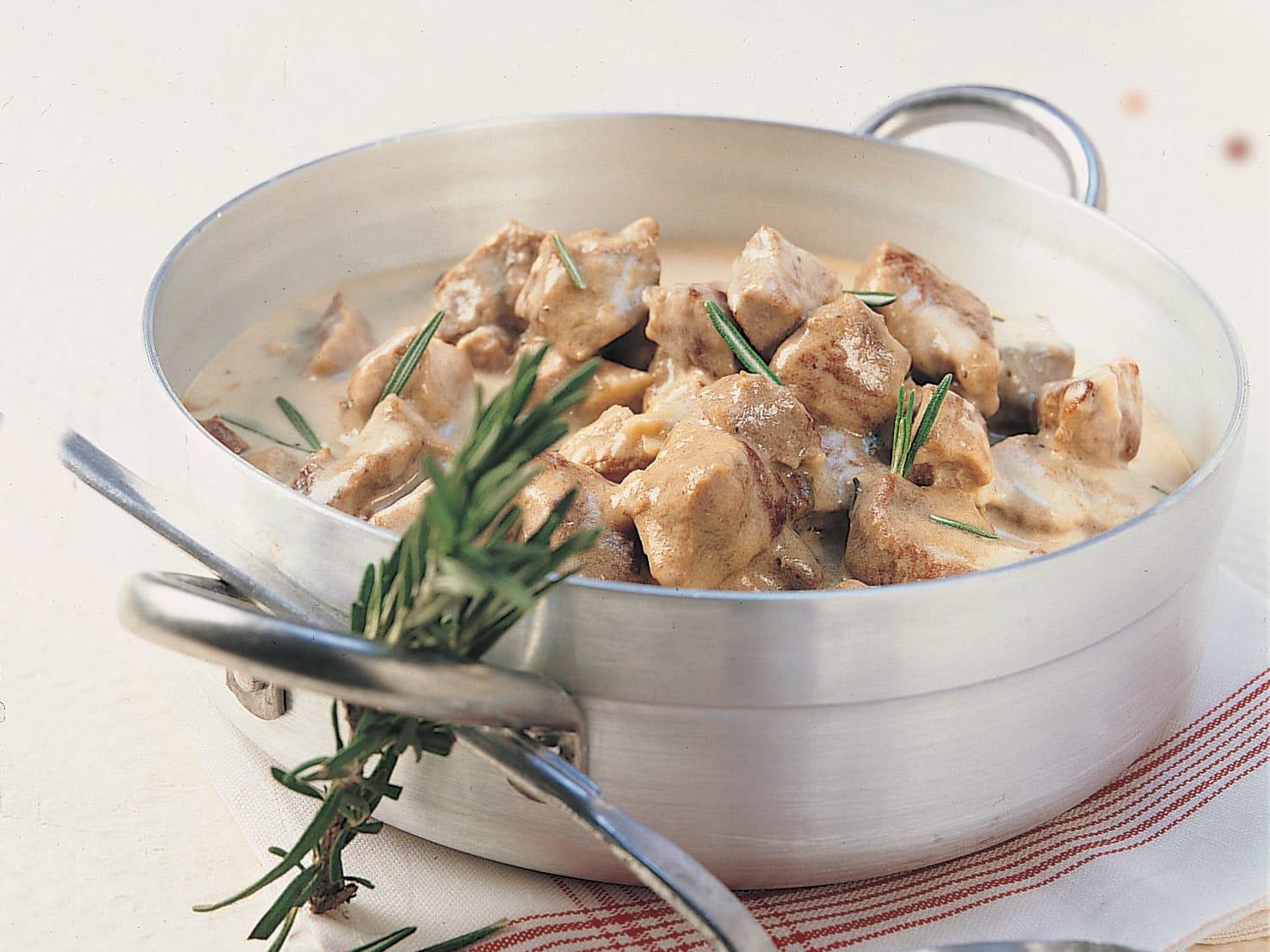 Ragoût de porc et sauce au romarin