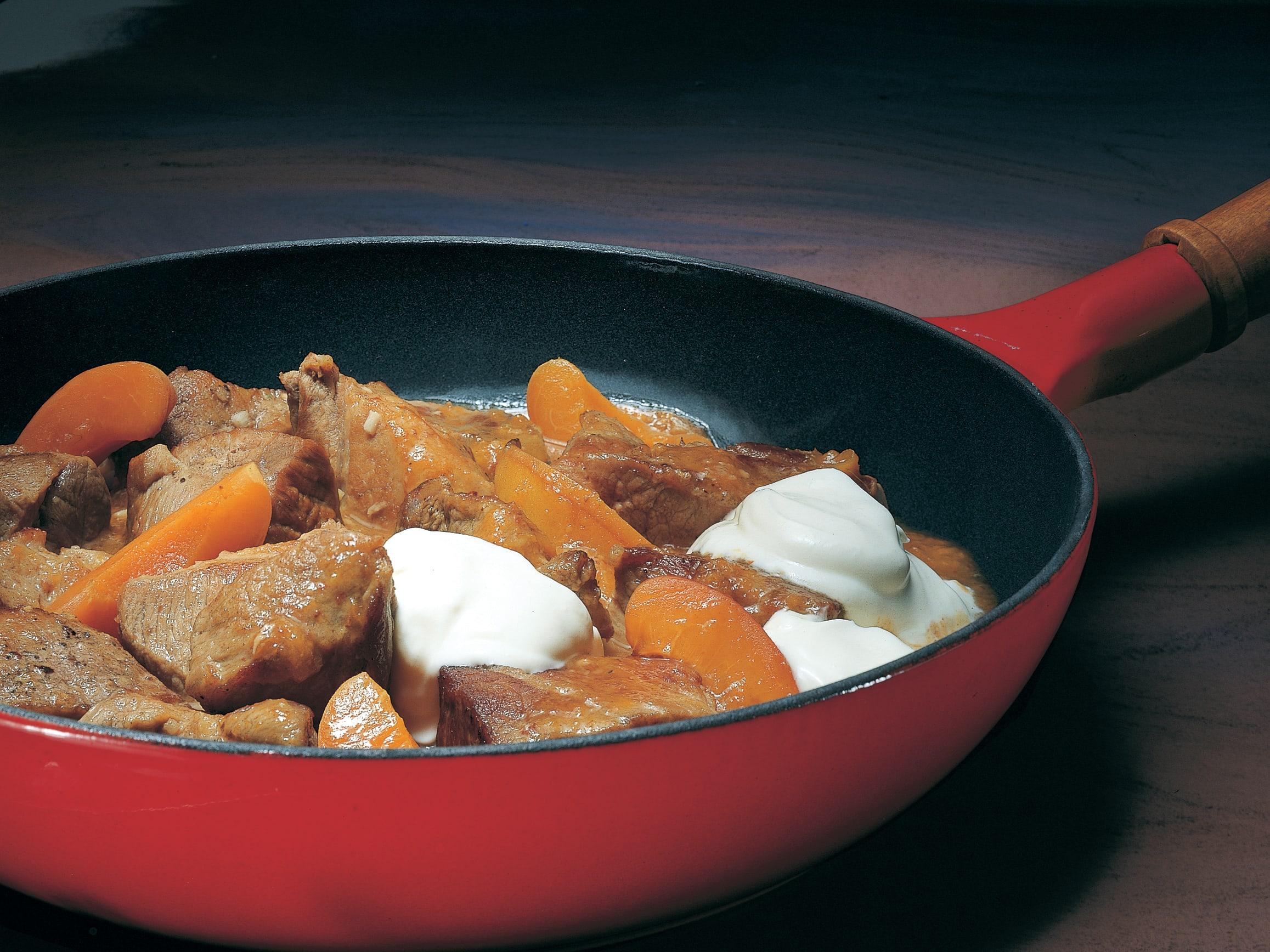 Ragoût de porc aux abricots