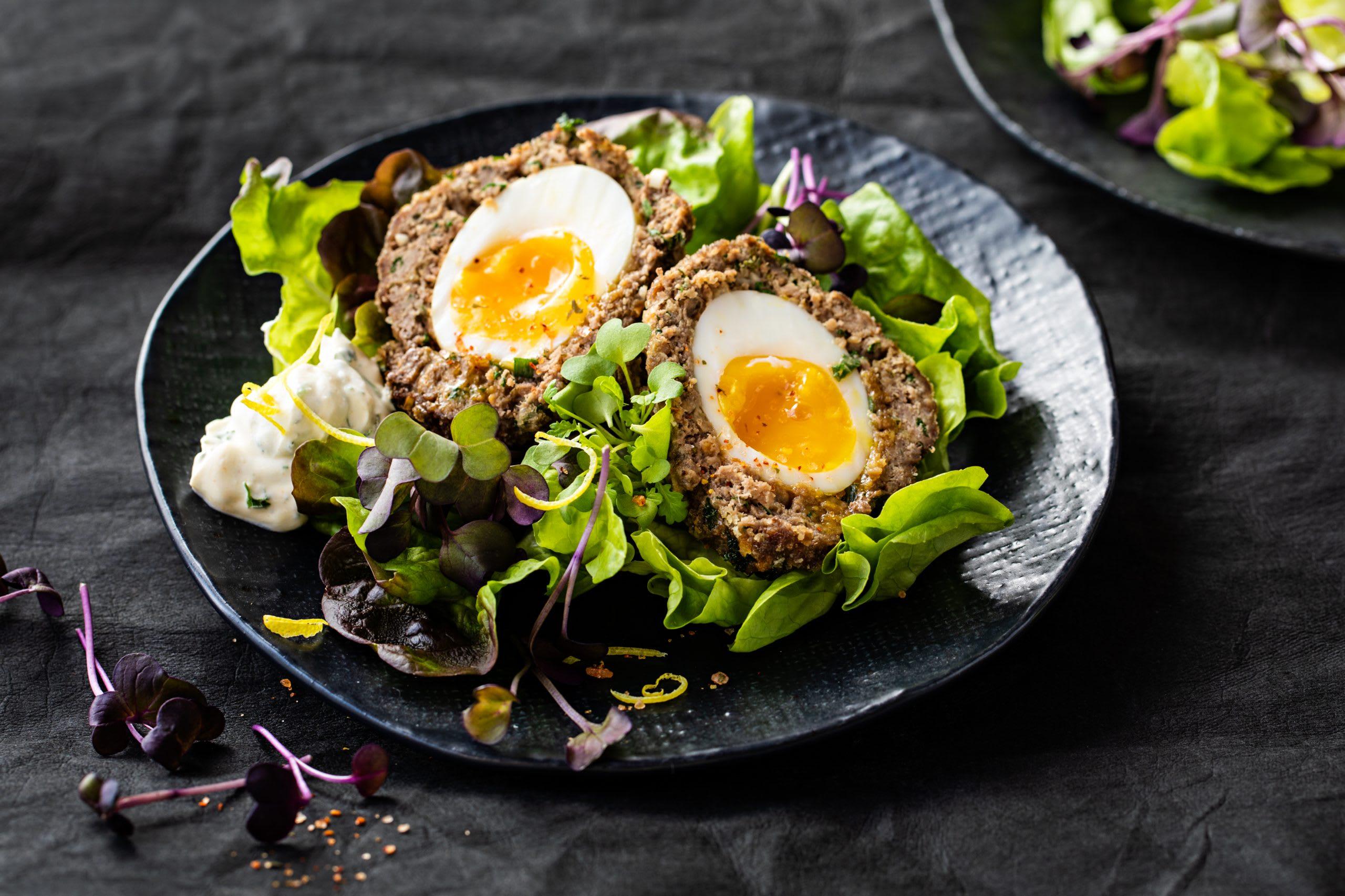 Scotch eggs et séré aux fines herbes