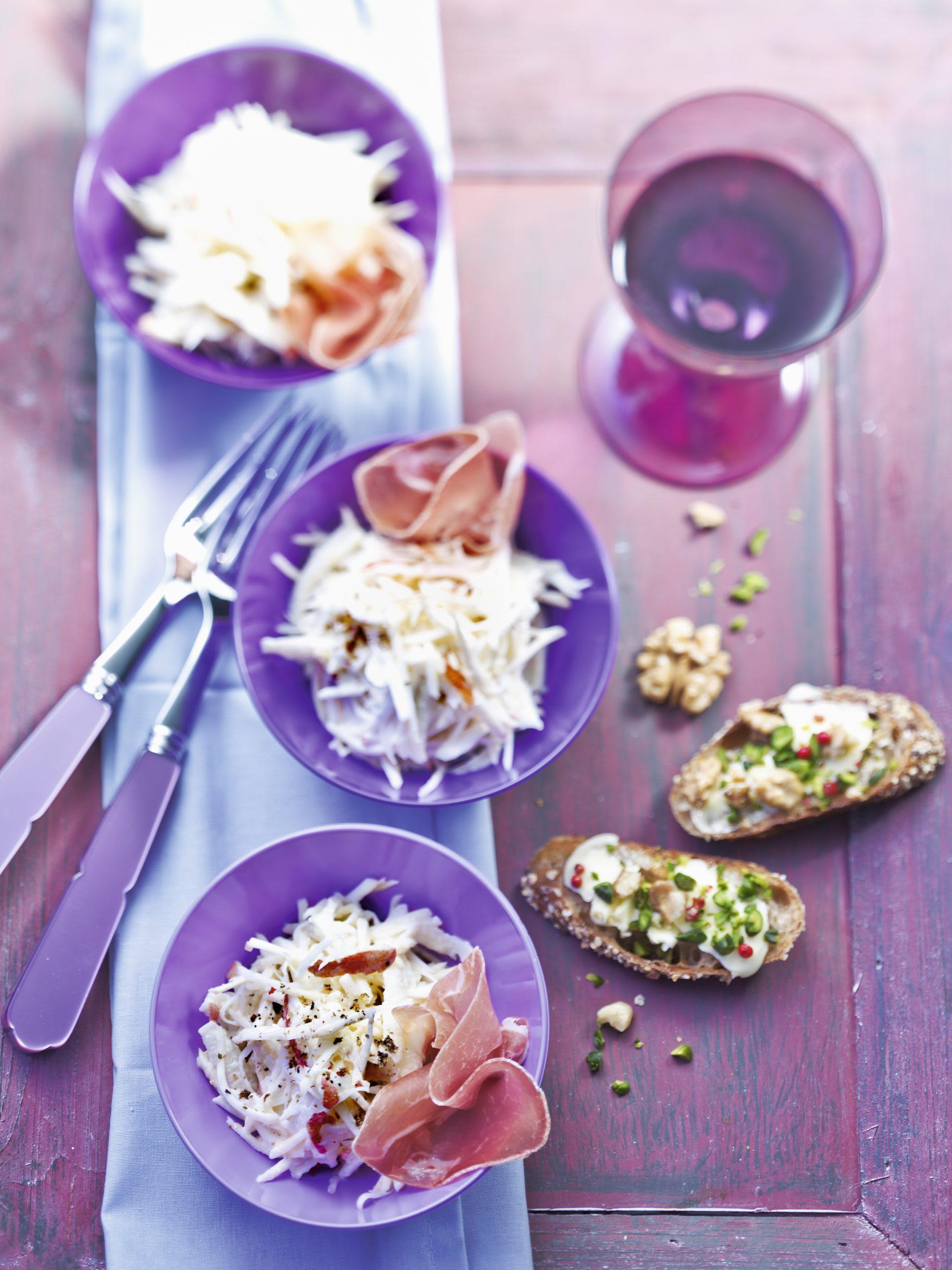 Sellerie-Apfel-Salat mit Nussbrot