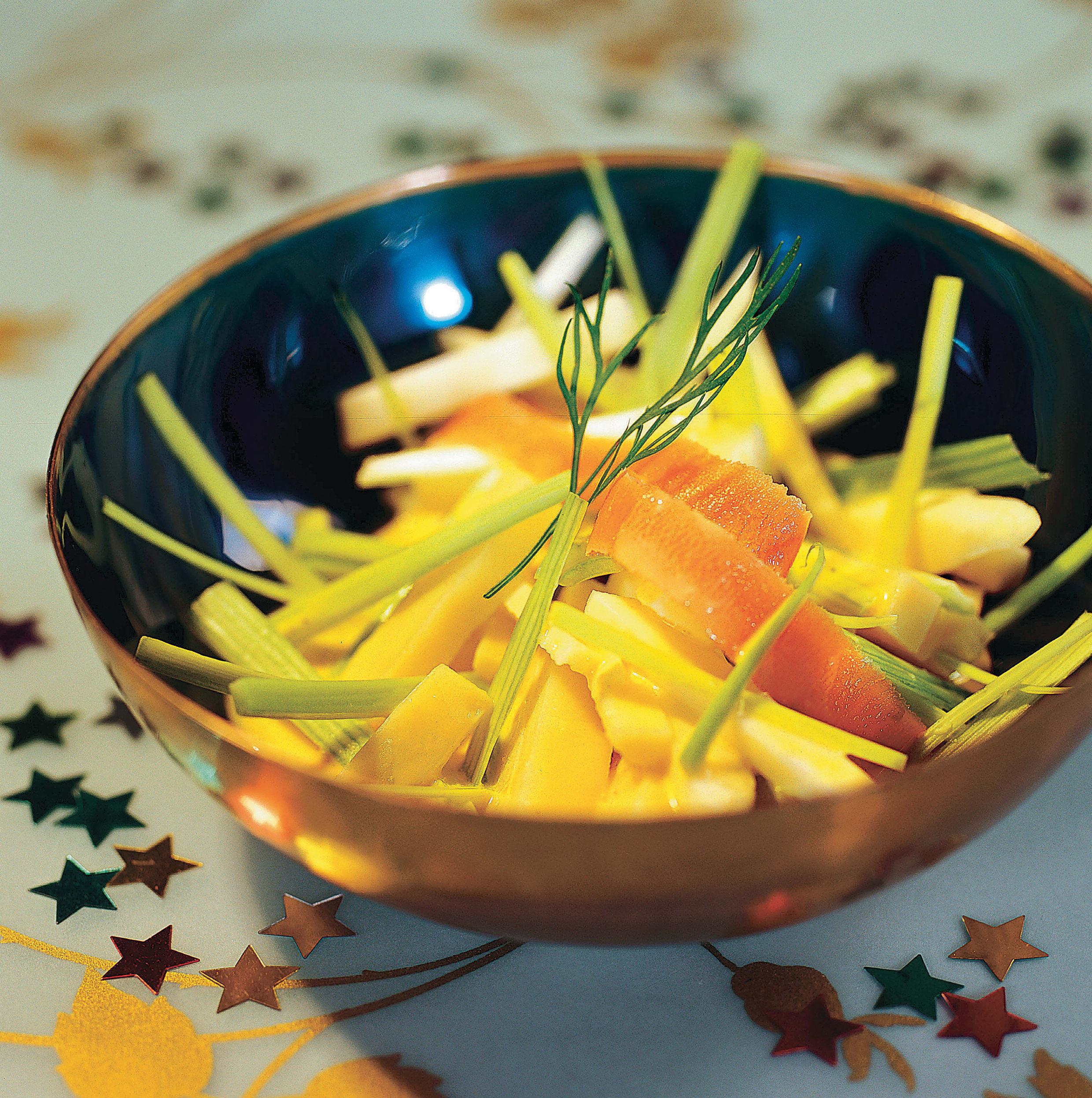 Salade de fromage, céleri et poireau et sauce au yogourt