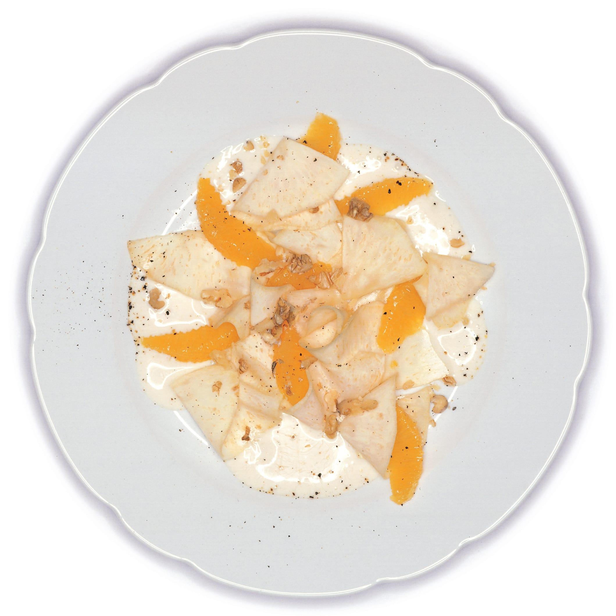 Carpaccio de céleri et d'orange au lait acidulée à la coriandre