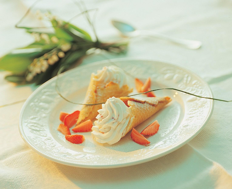 Cornets au xérès et à la crème aux fraises