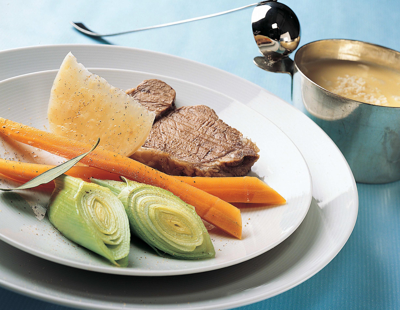 Siedfleisch mit Meerrettich-Butter-Sauce