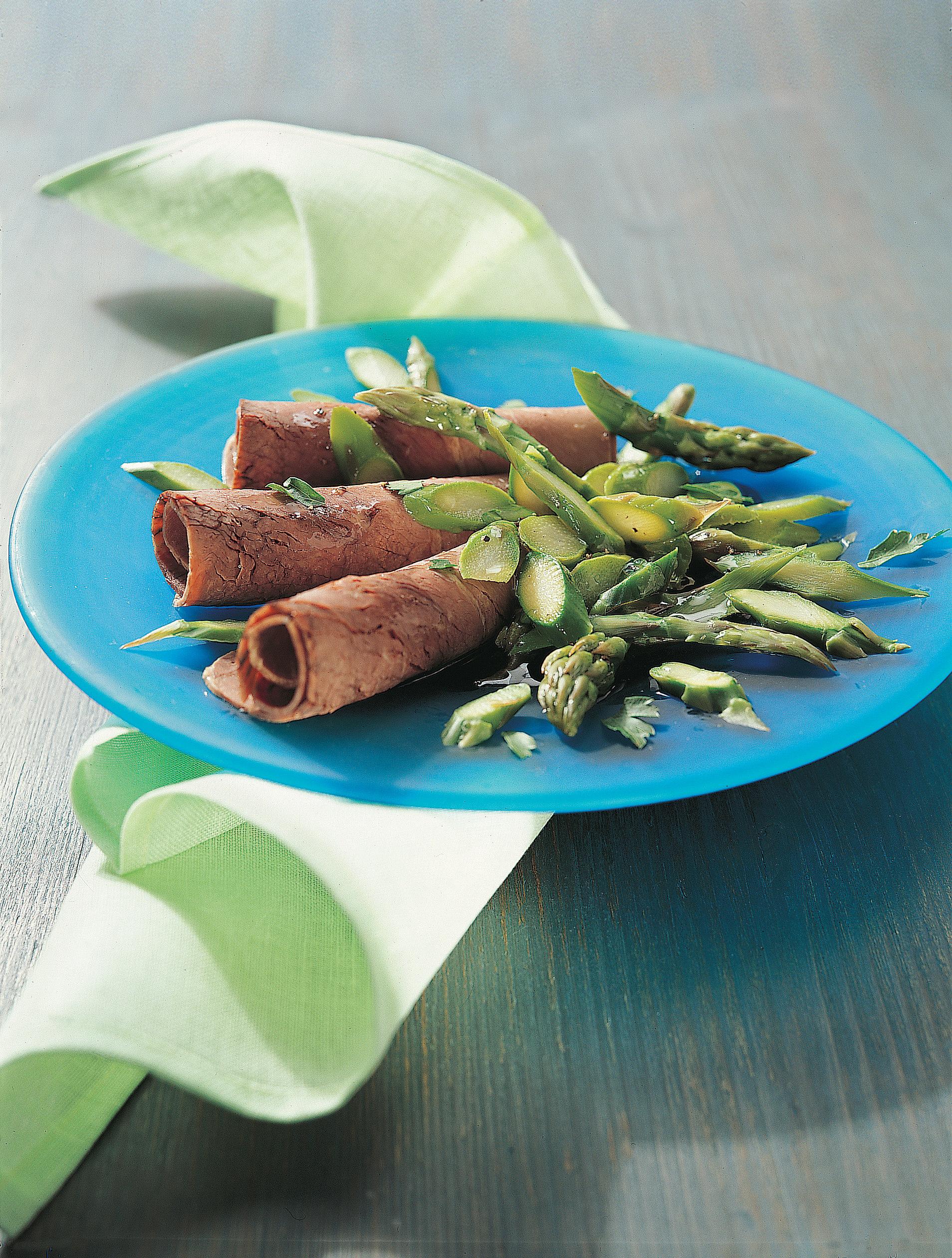 Salade d'asperges et bouilli roulé