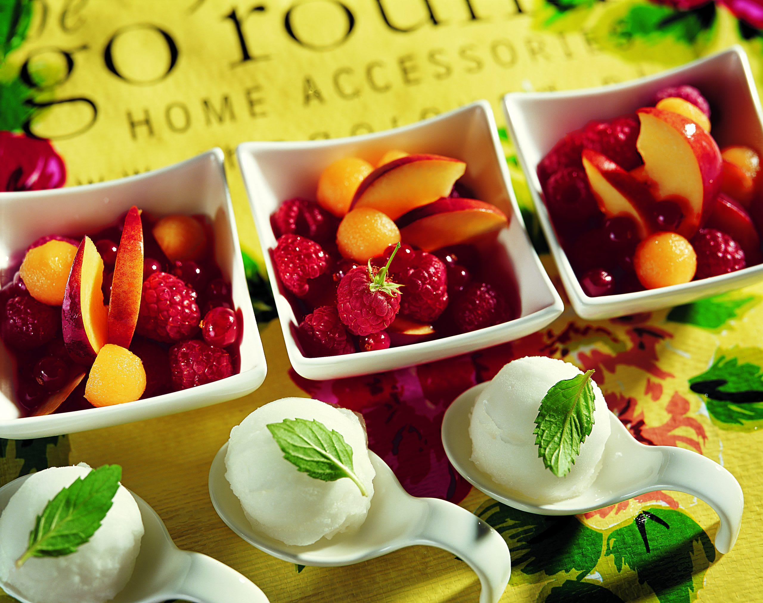 Sommerfruchtsalat mit Verveine-Sorbet