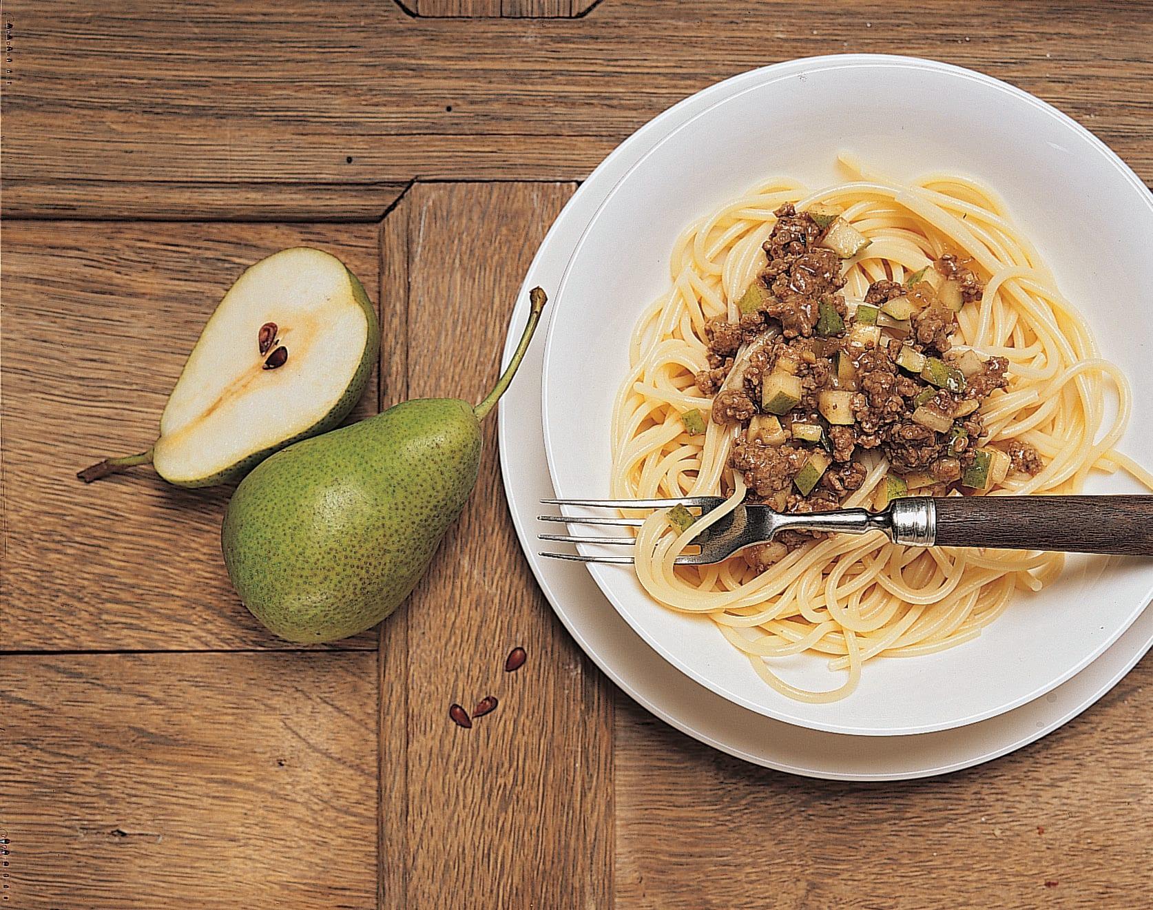 Spaghettis sauce poires et viande hachée