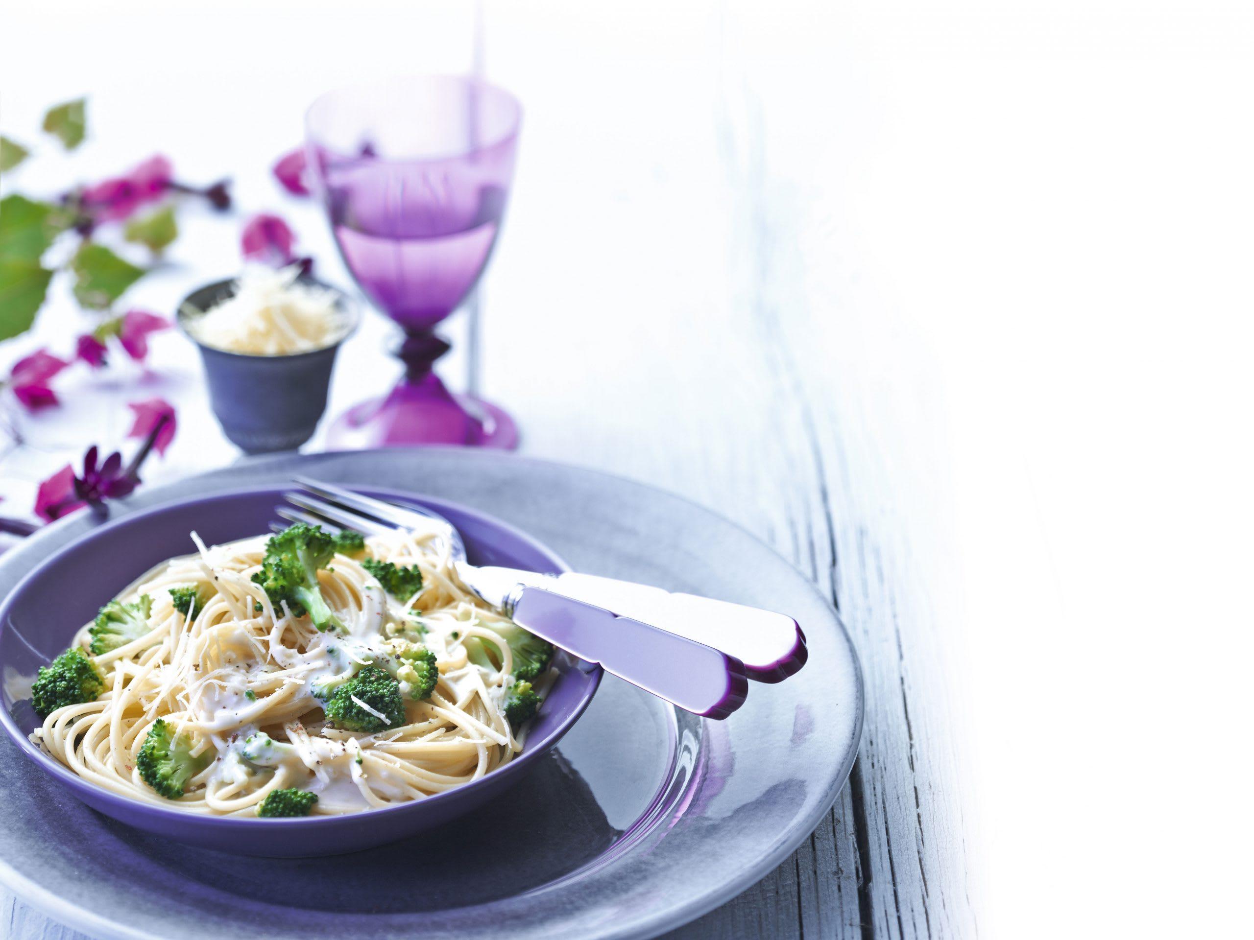 Spaghetti mit Broccoli-Käse-Sauce