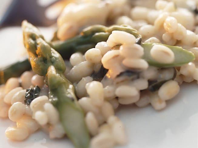 Risotto d'orge aux asperges
