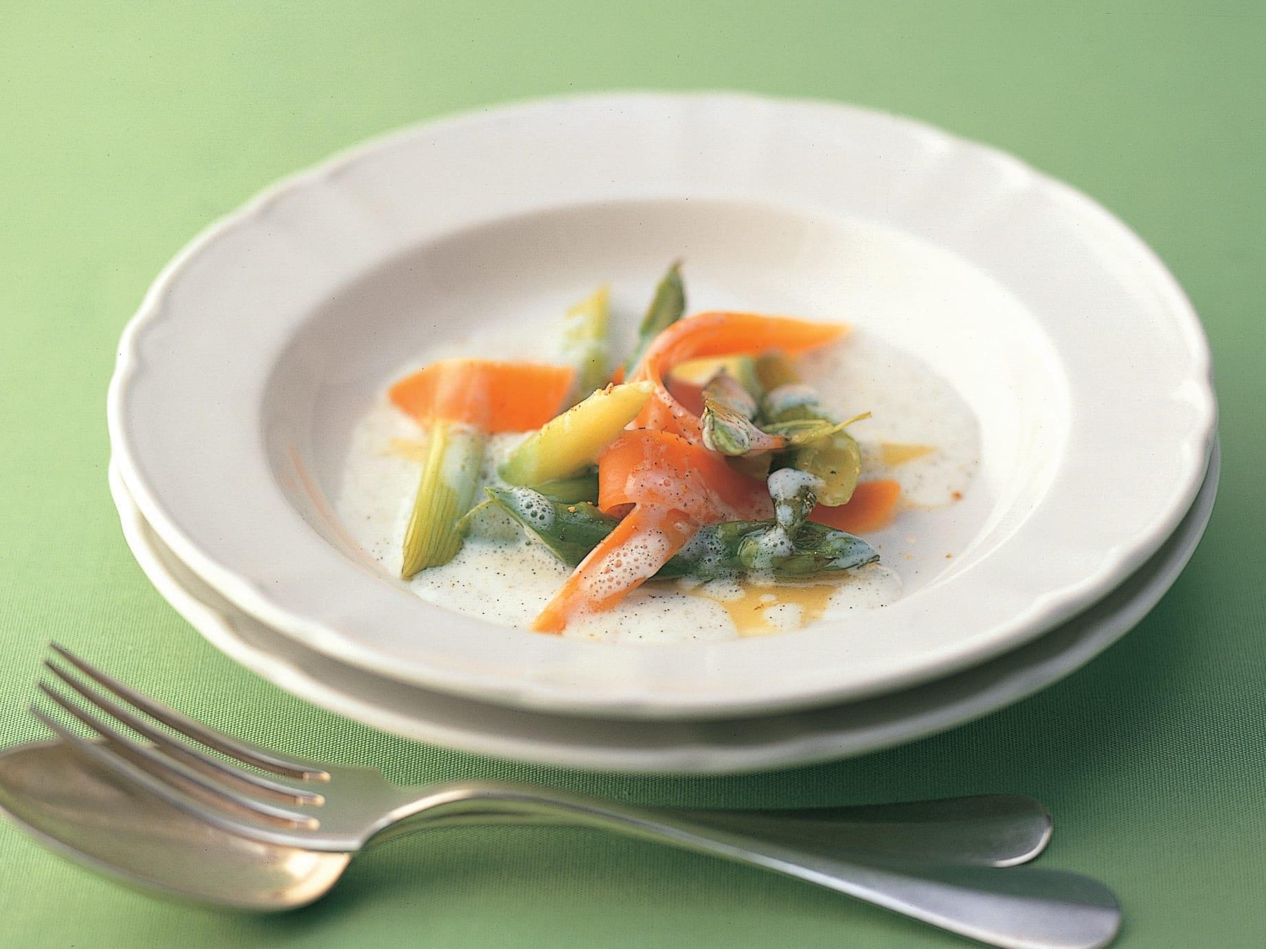 Asperges et carottes au babeurre à la vanille