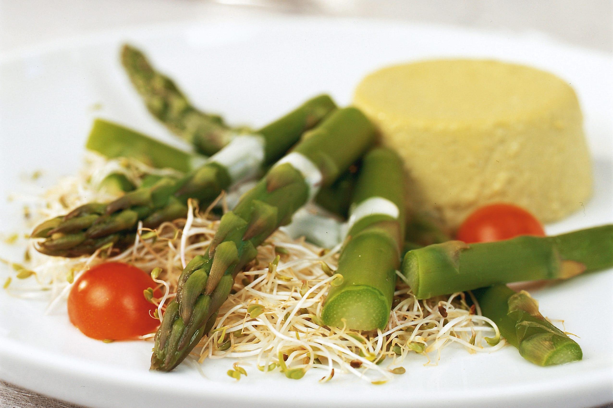 Flan et salade d'asperges