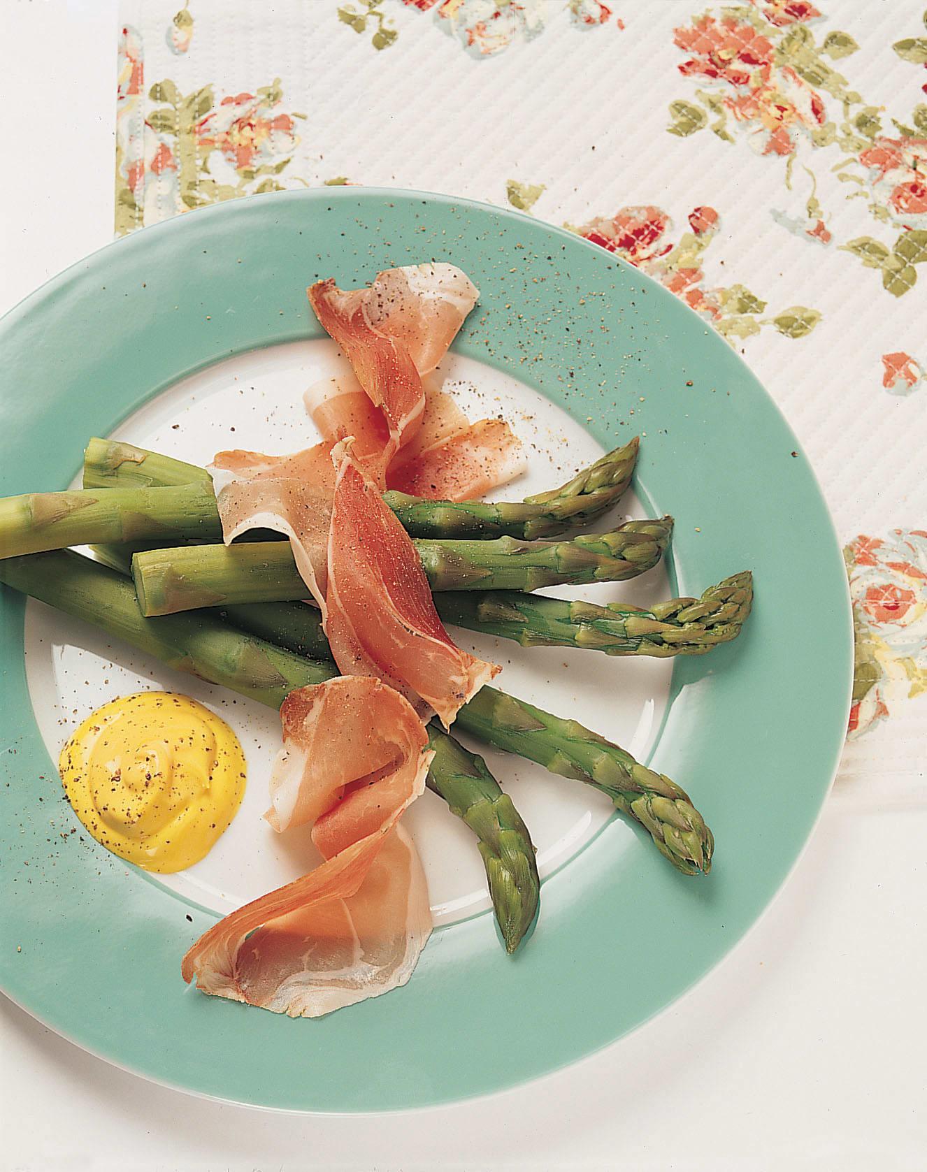 Asperges, jambon et sauce crémeuse au safran