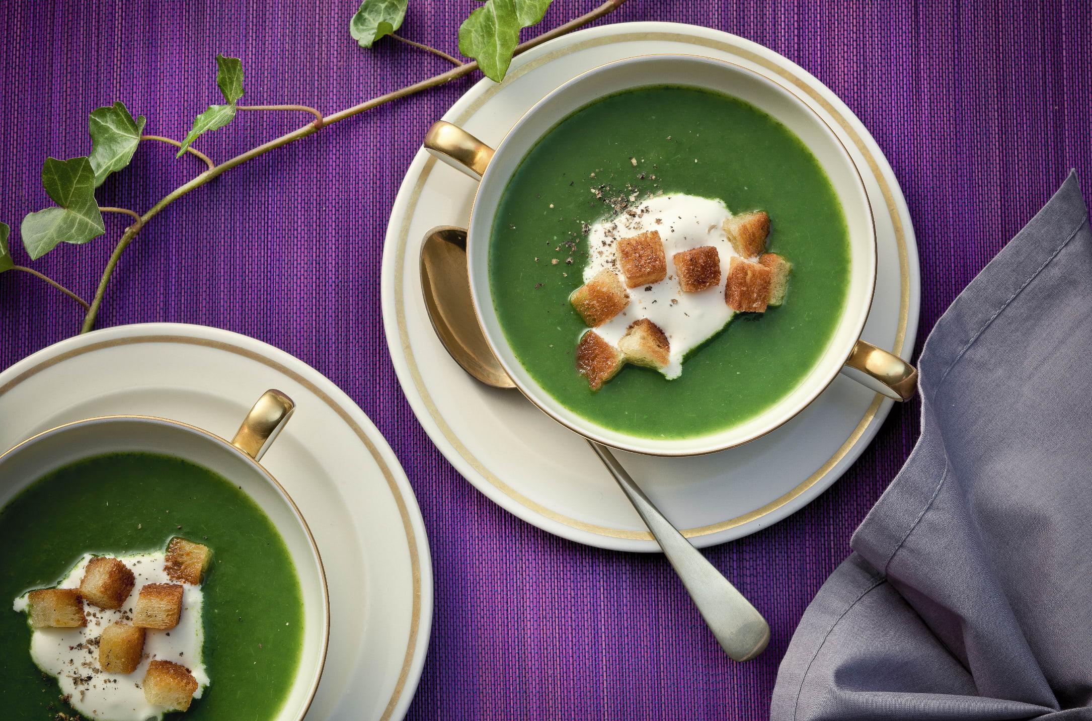 Spinat-Süppchen mit Croûtons