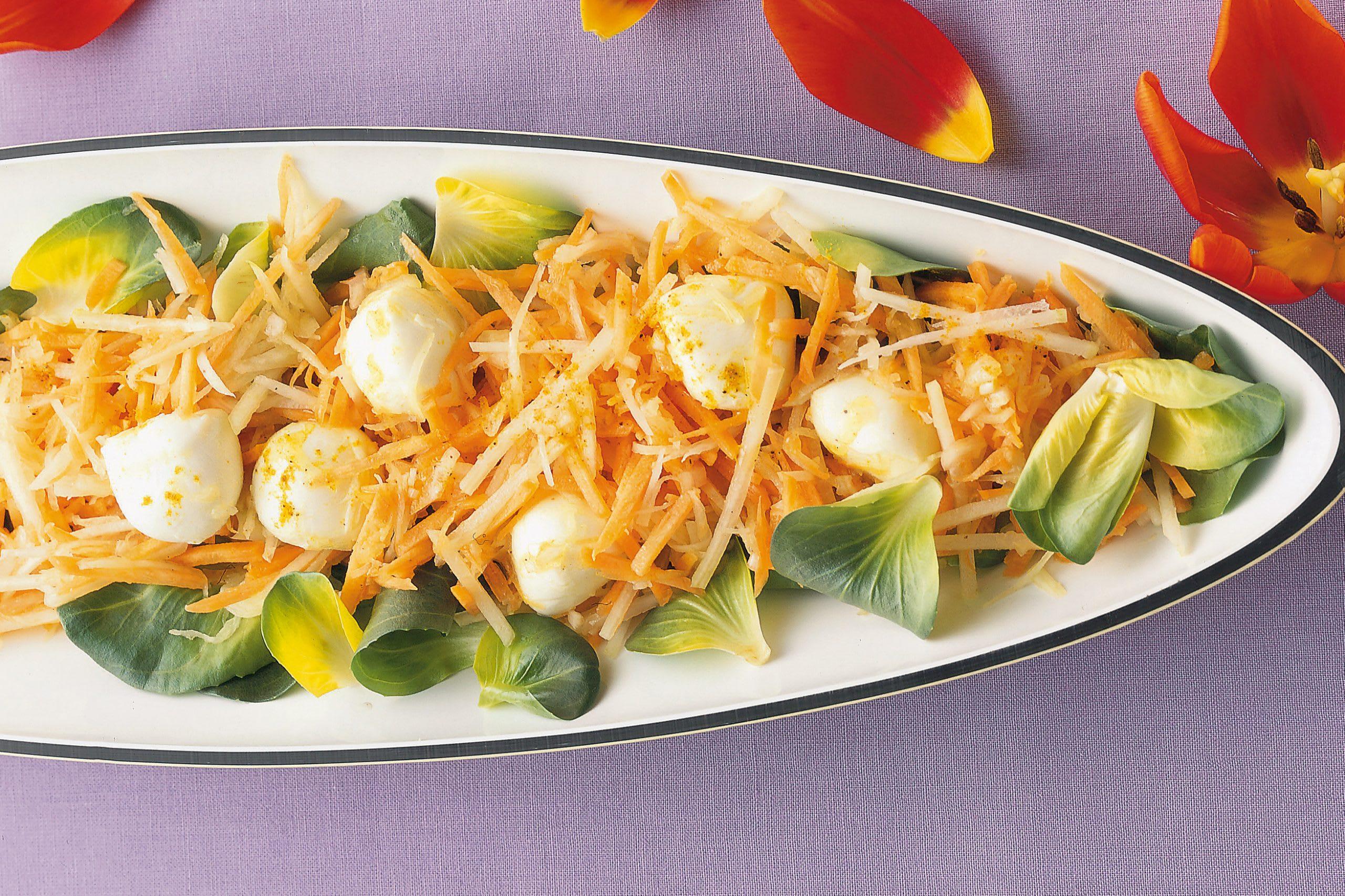 Salade carottes-colrave-mozzarella à l'aigre-doux