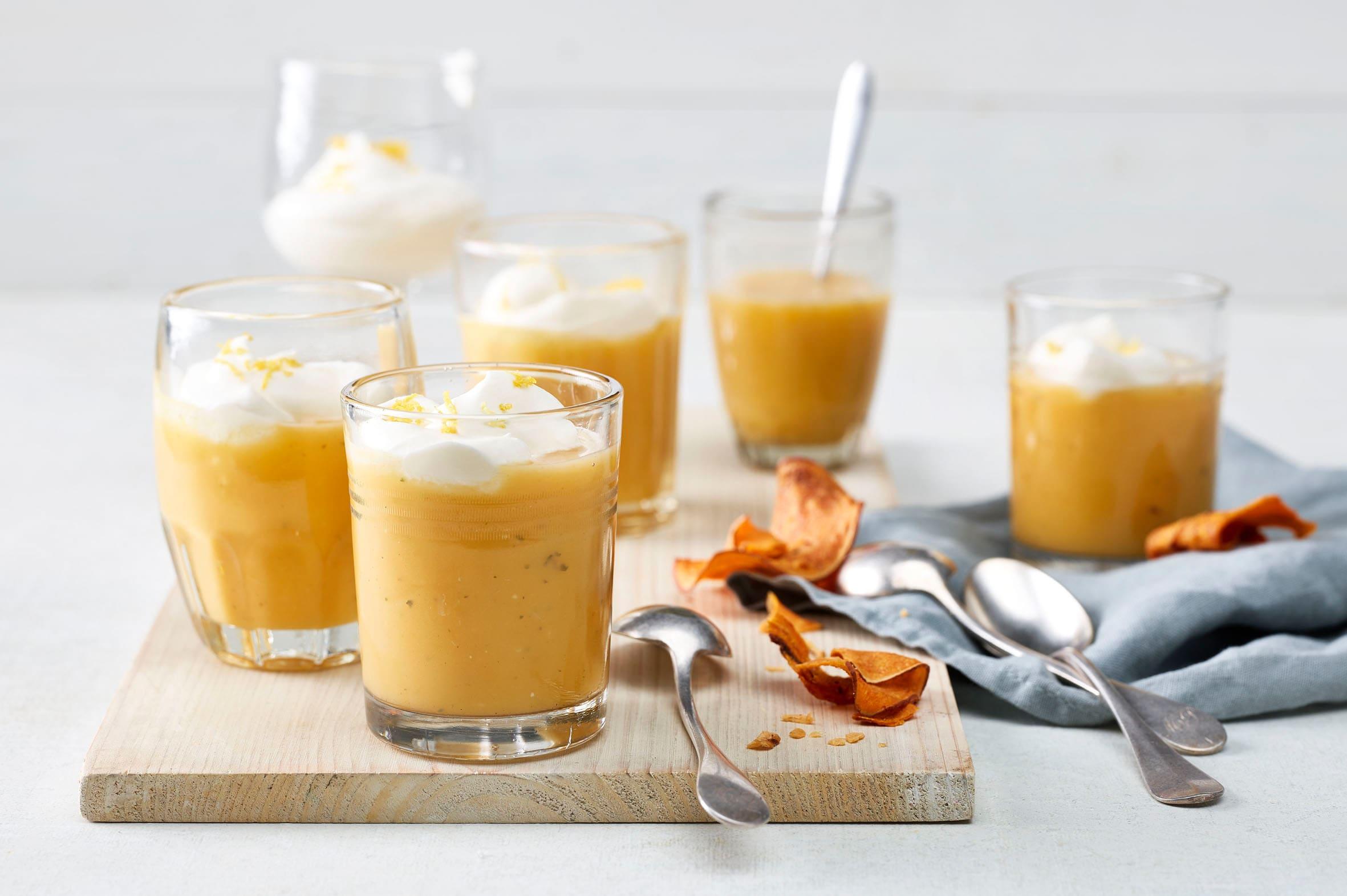 Soupe de patates douces et nuage de crème
