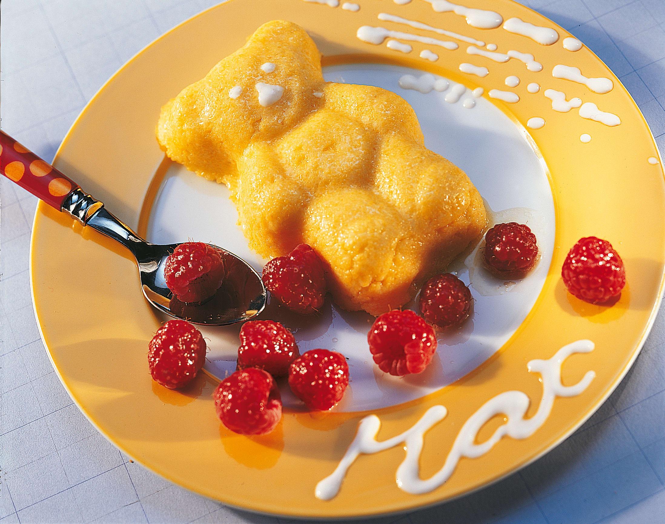 Sweet-Polenta mit geschmolzenen Himbeeren