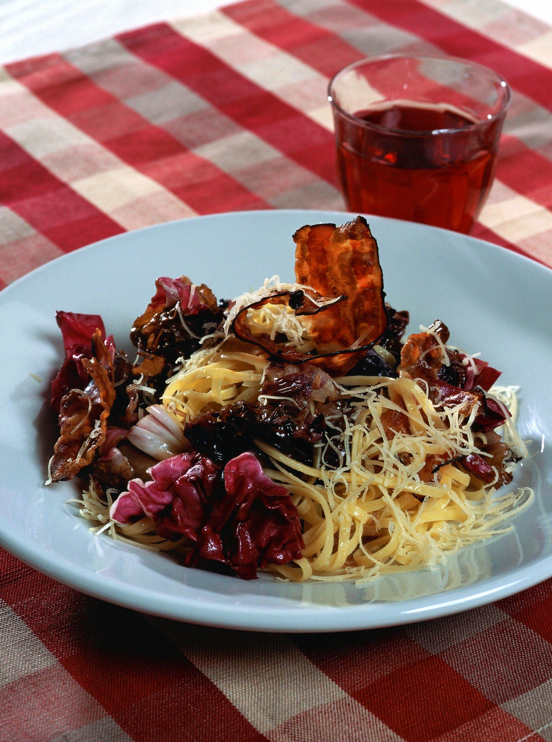 Taglierini à la salade de Trévise et au lard