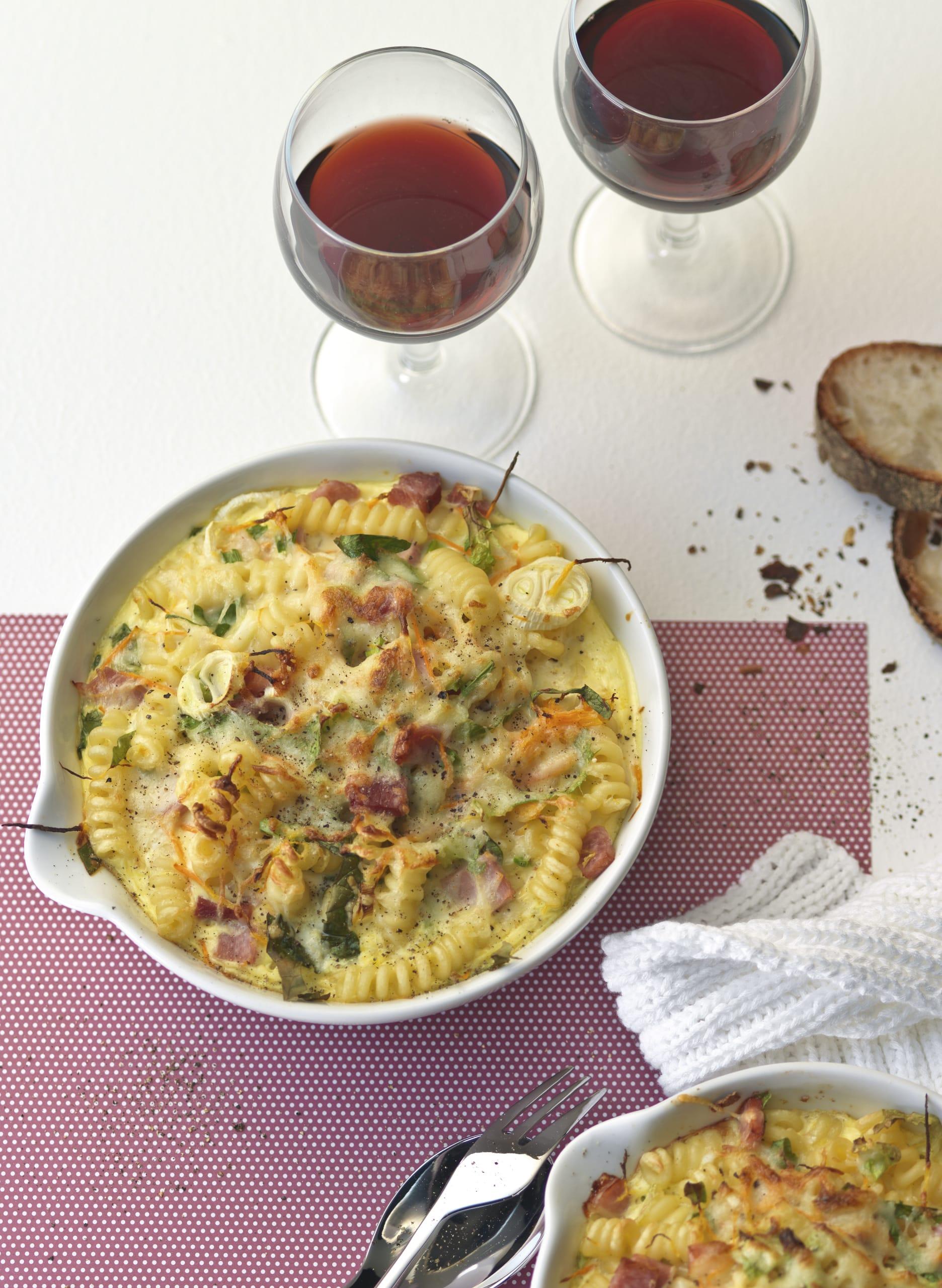 Gratin de pâtes aux légumes et au jambon