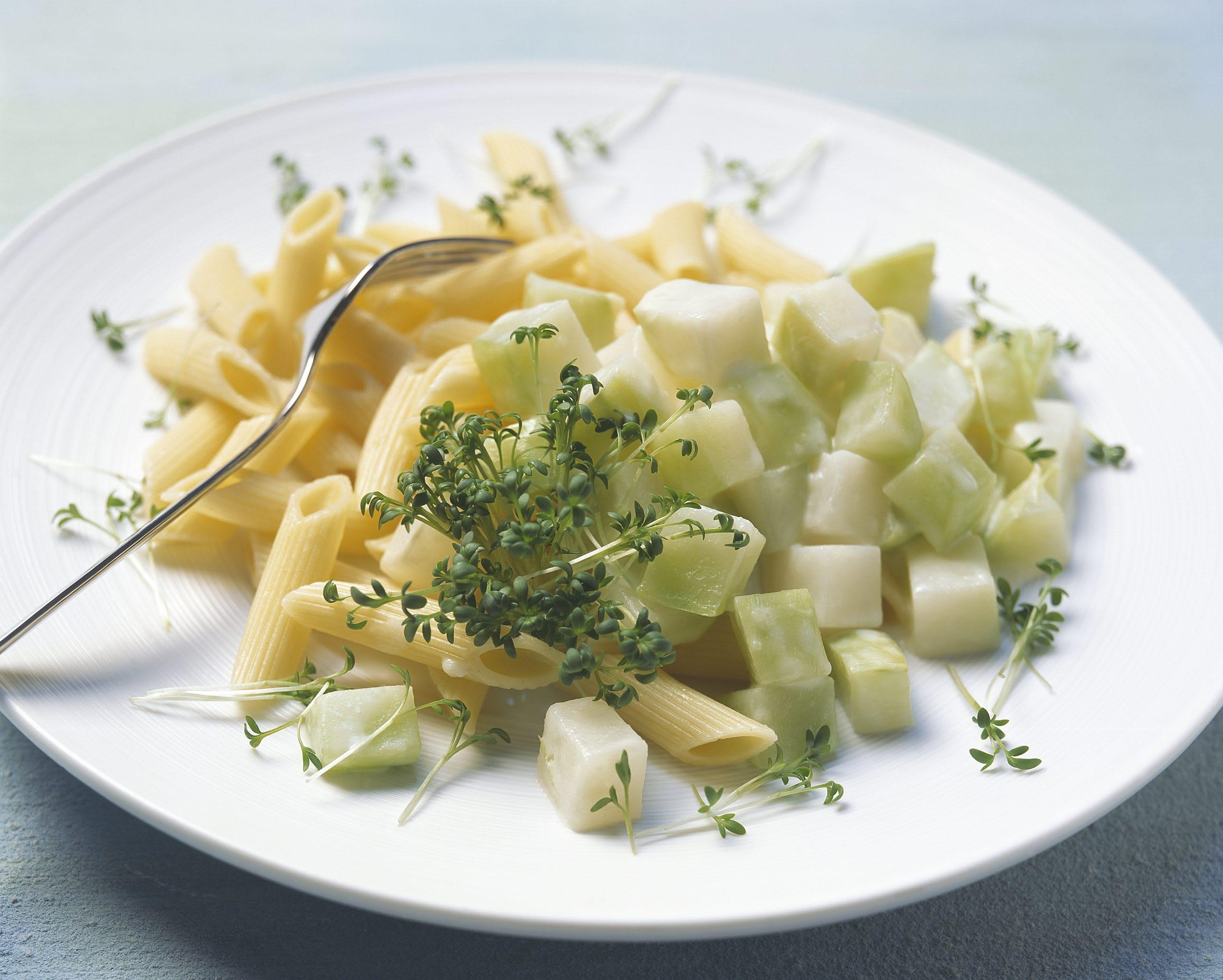 Teigwaren mit Kohlrabi-Gemüse