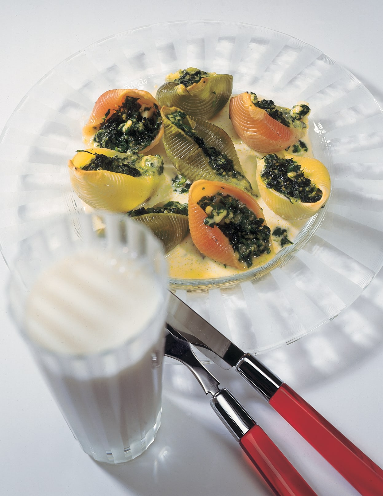 Teigwarenmuscheln mit Spinat-Käse-Füllung