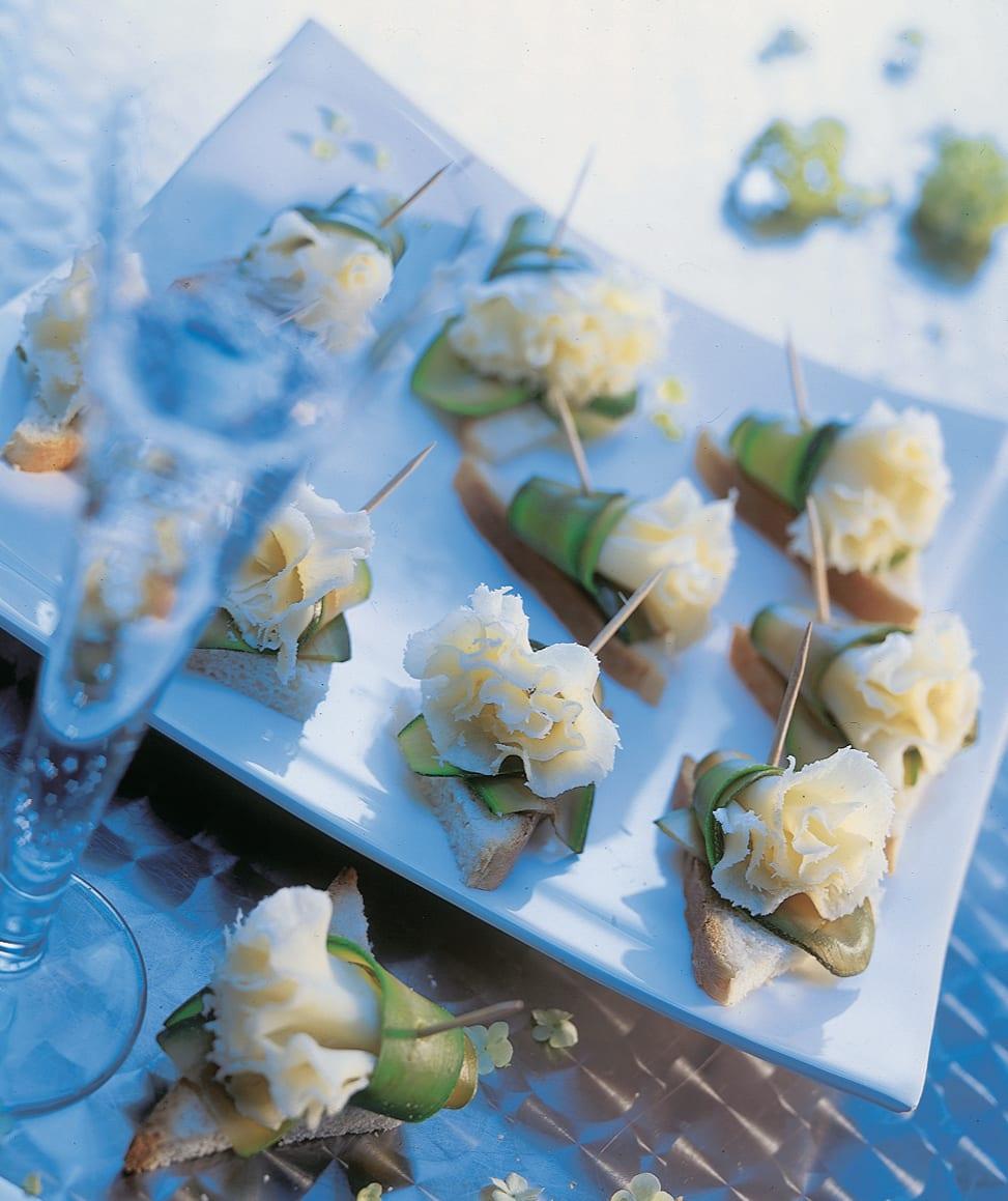 Tête-de-Moine mit Zucchini-Manschetten