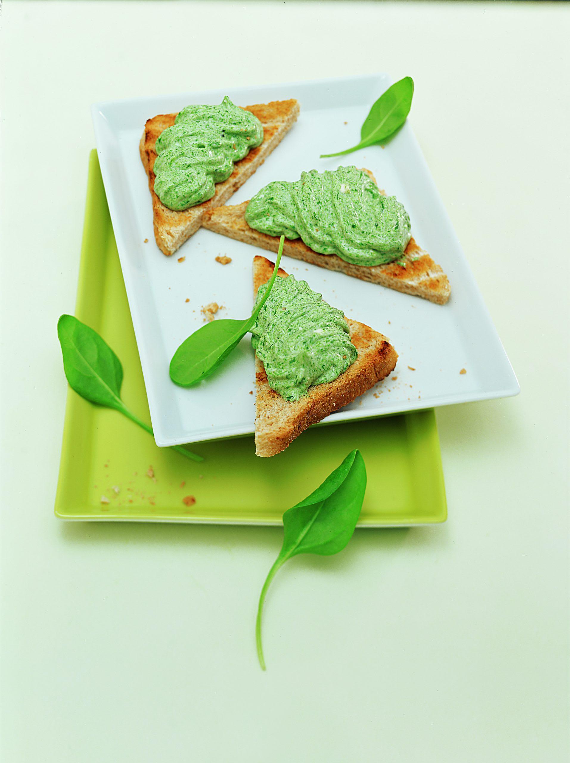 Toasts à la mousse d'épinards