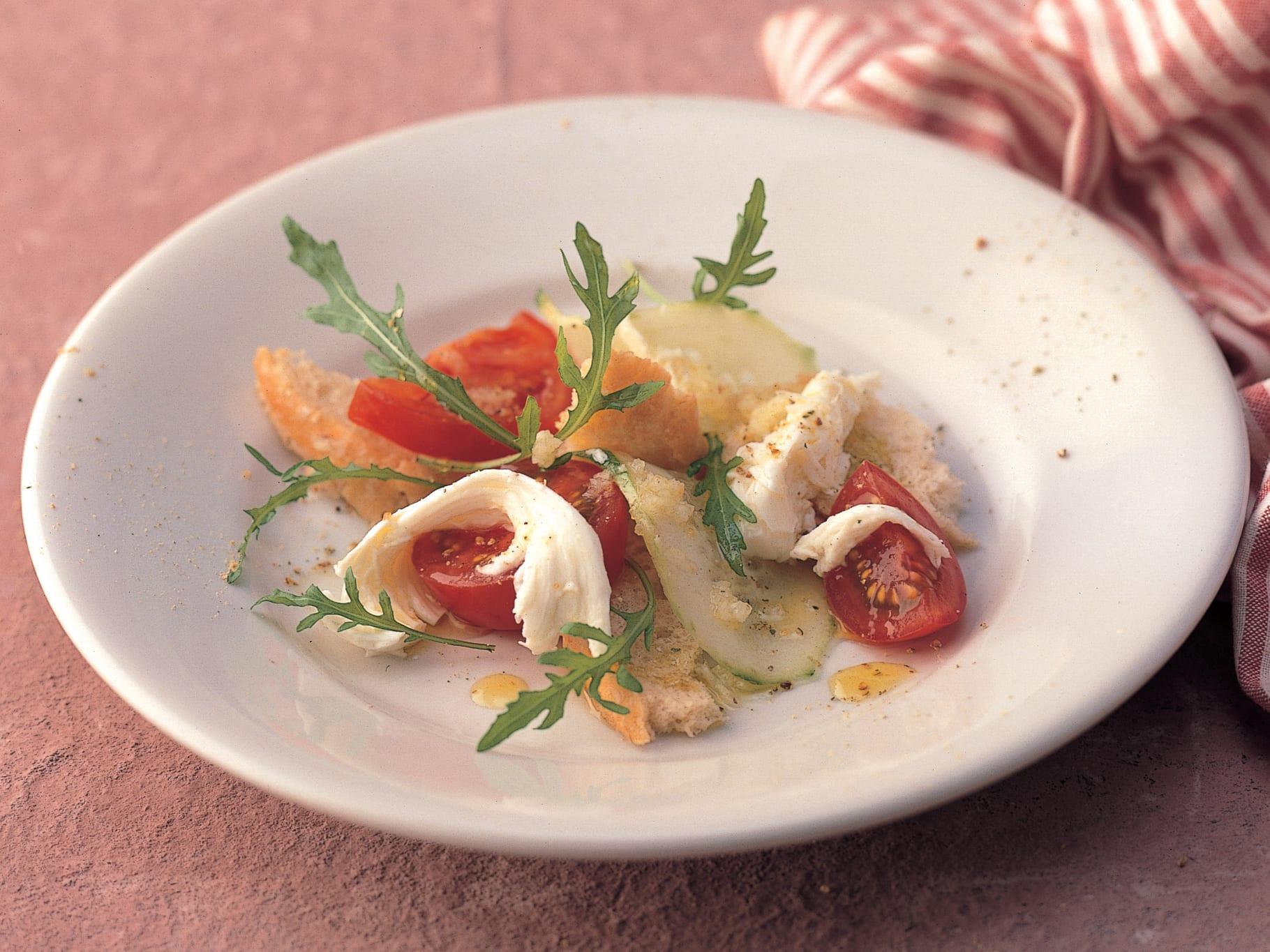Salade de pain tomate-mozzarella