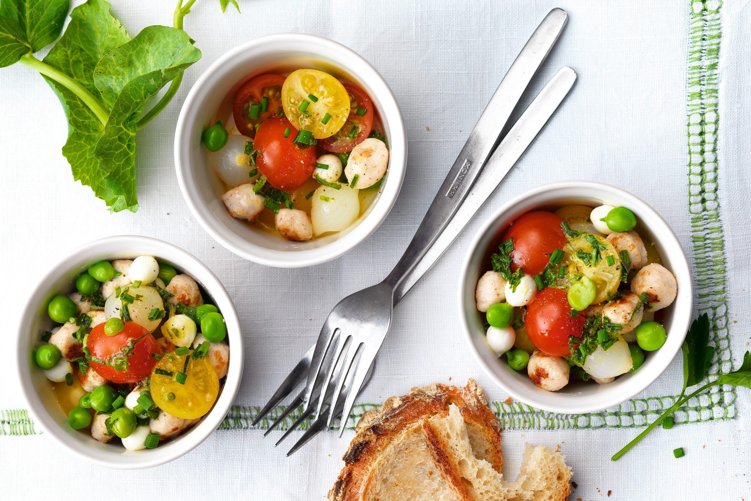 Salade tomate-mozzarella aux boulettes de viande