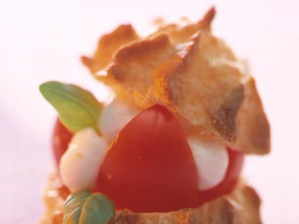 Tomaten-Mozzarella-Windbeutel