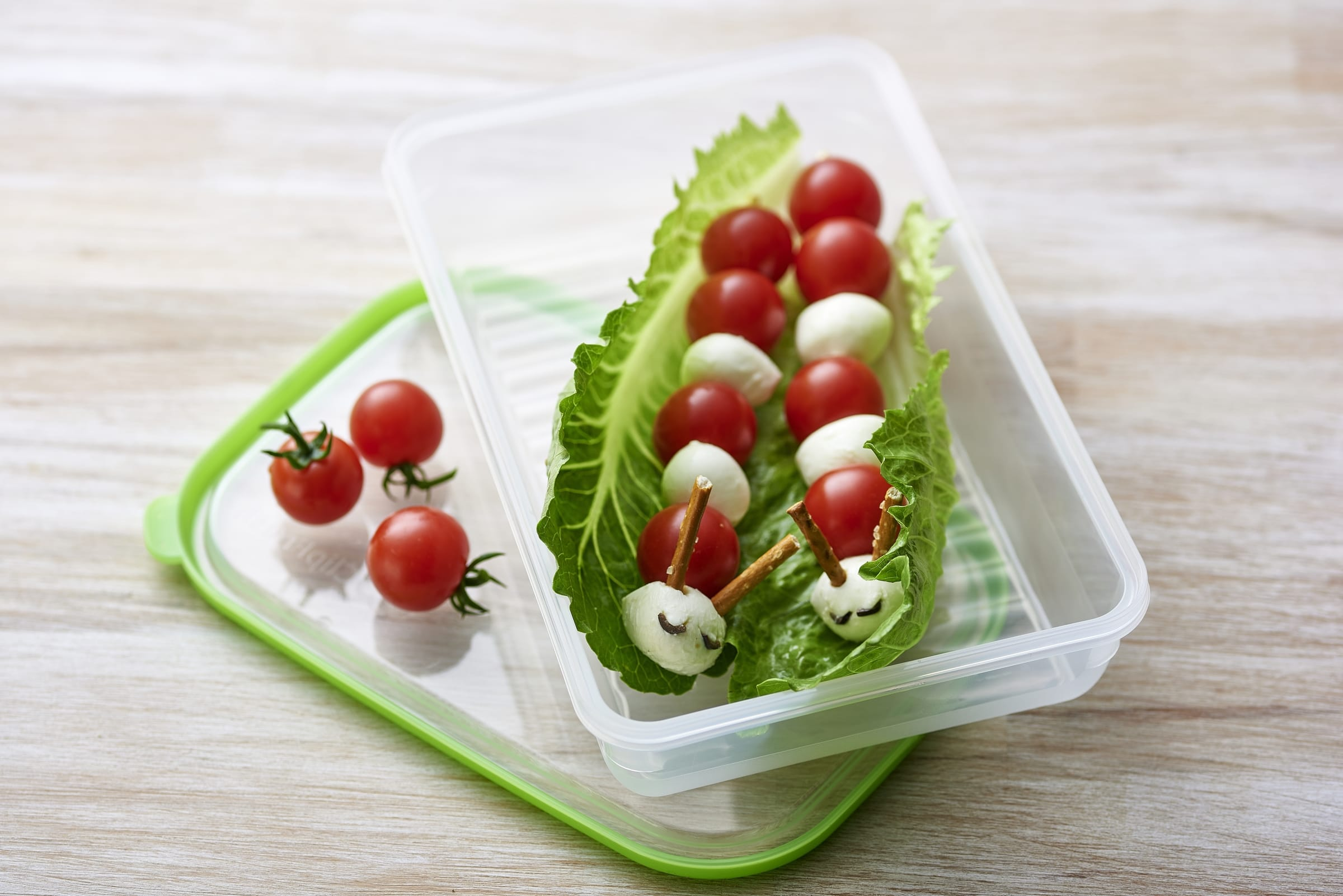 Tomaten-Mozzarella-Würmli