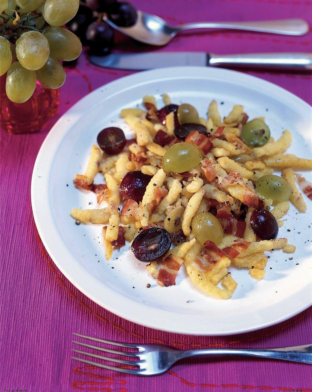 Knöpfli aux raisins et au lard