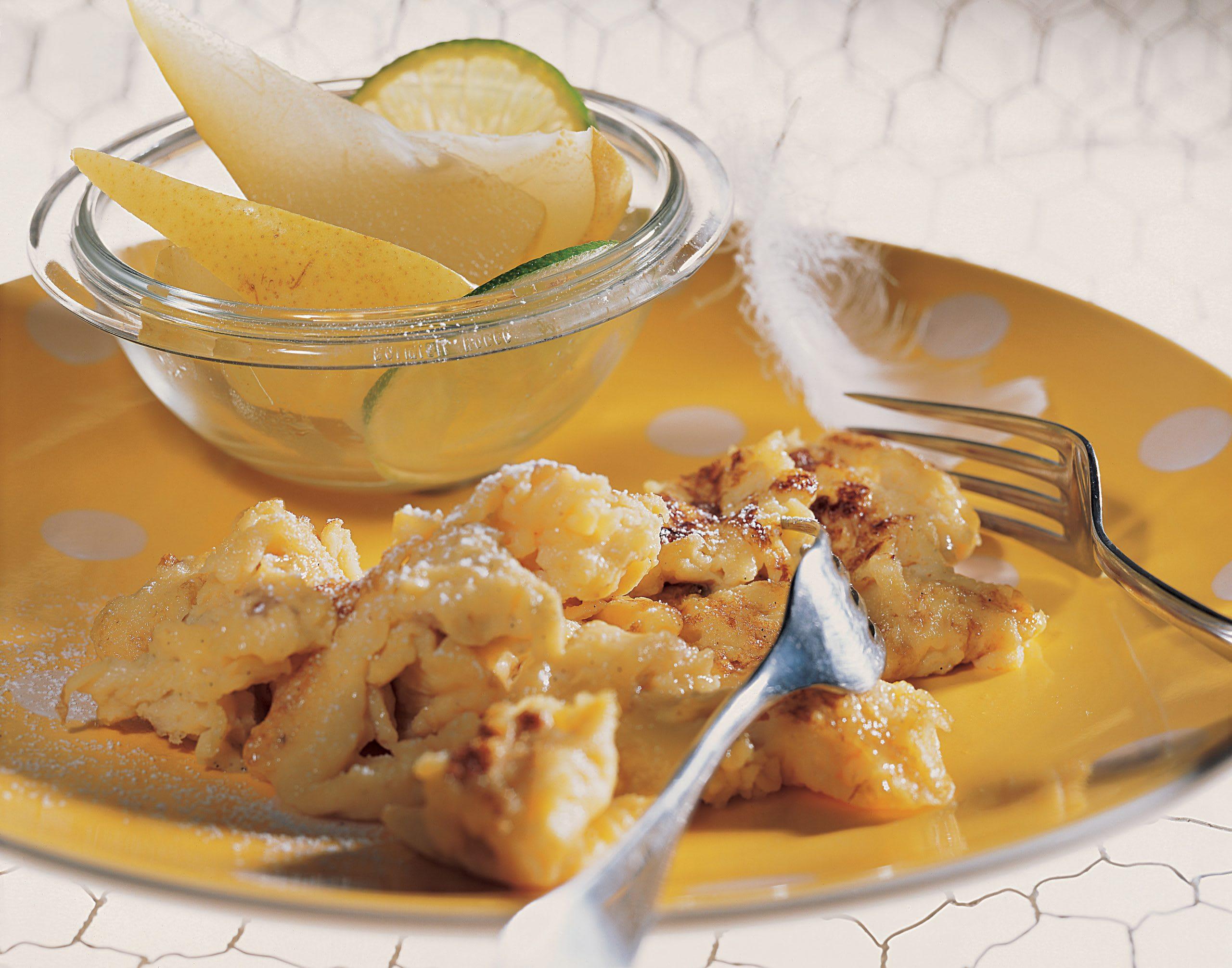 Vanille-Rührei mit Birnenkompott