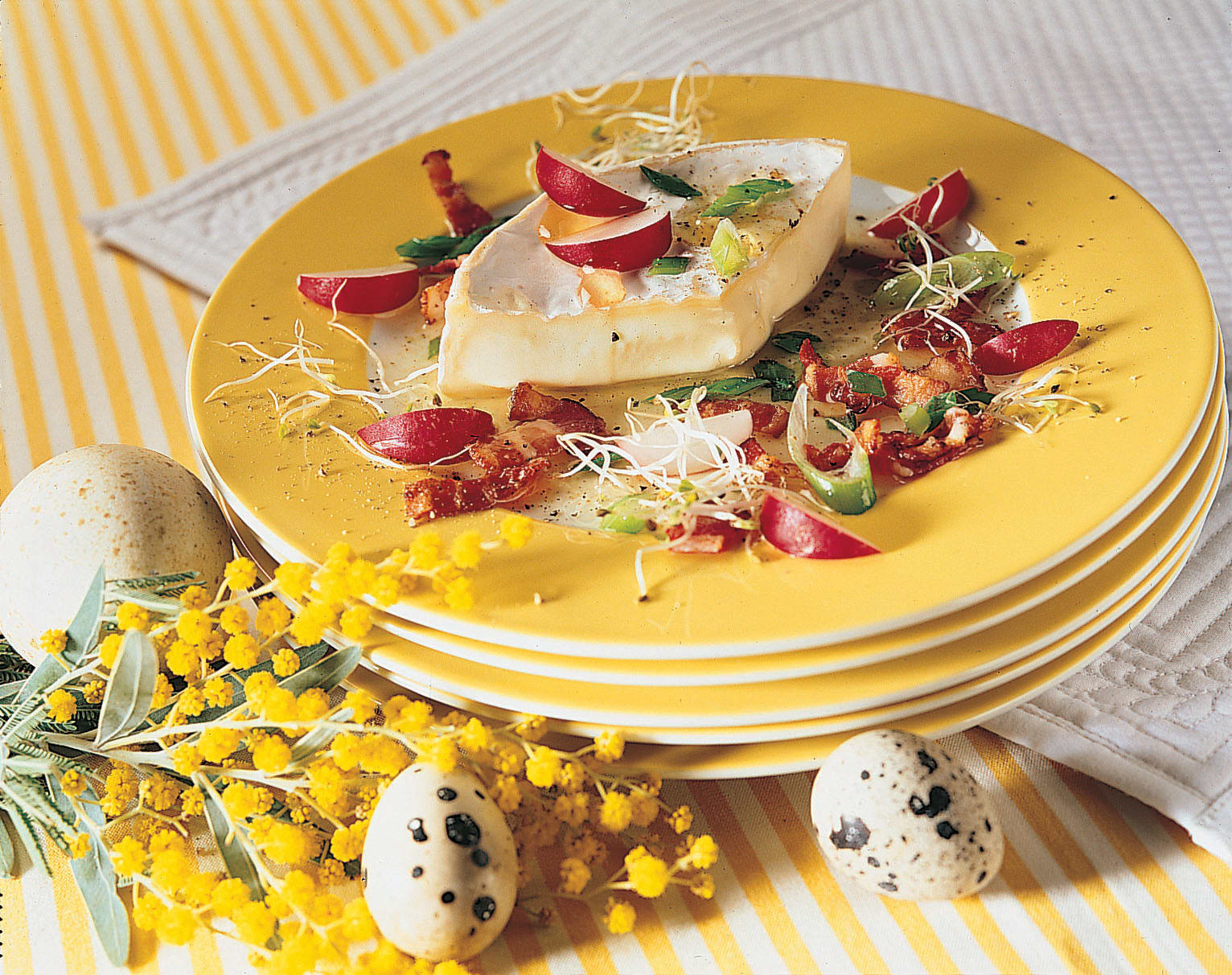Camembert poêlé et sa vinaigrette au lard