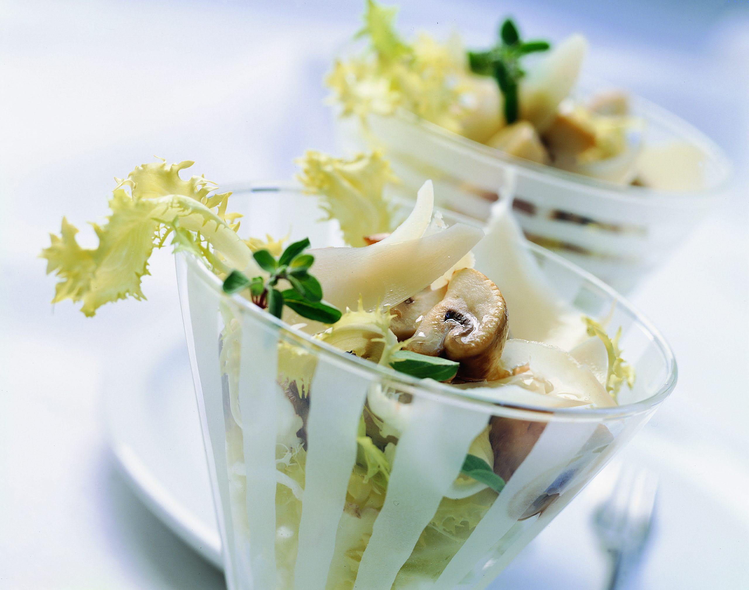 Warmer Pilzsalat mit Käse