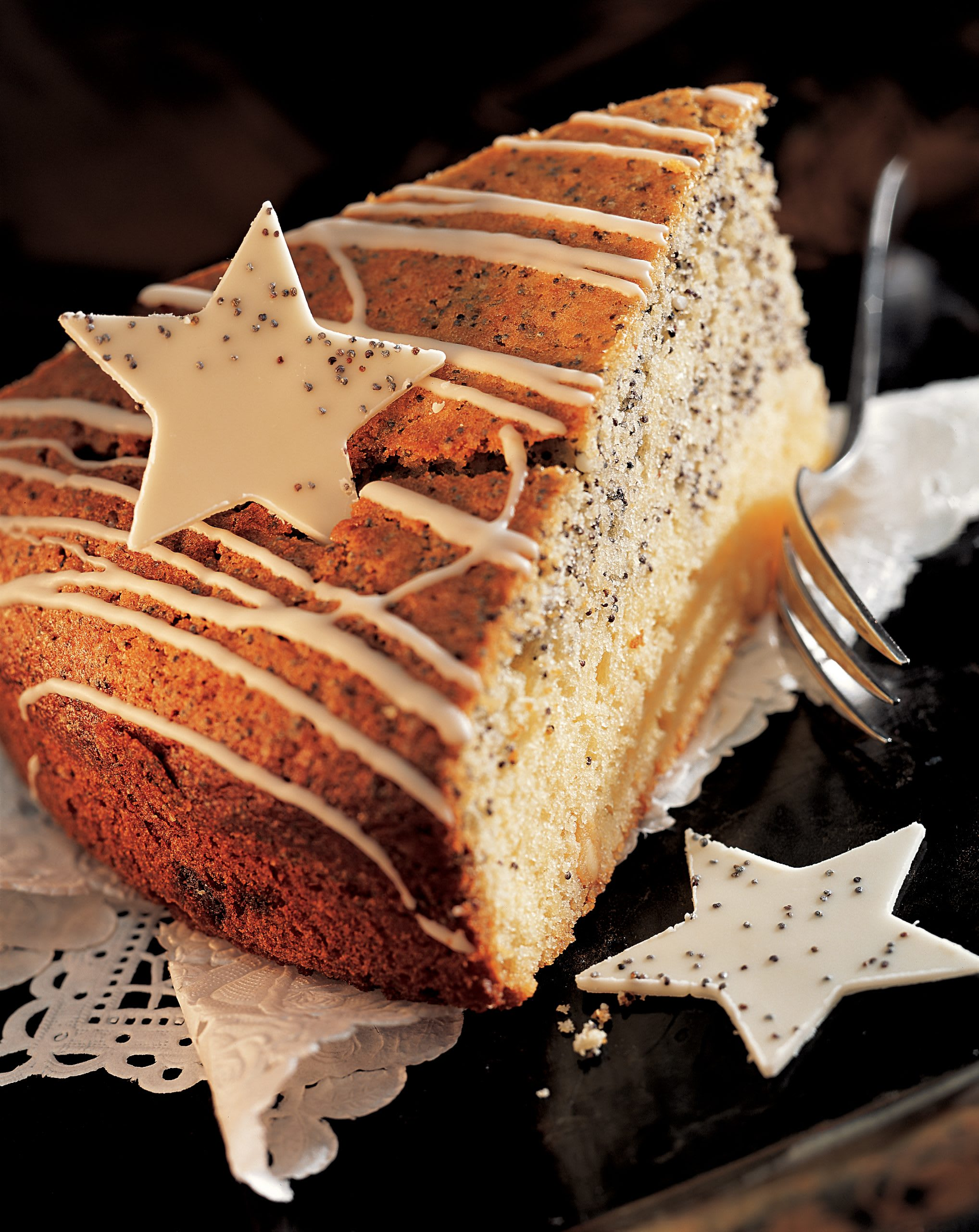 Weisser Schokoladen-Mohn-Kuchen