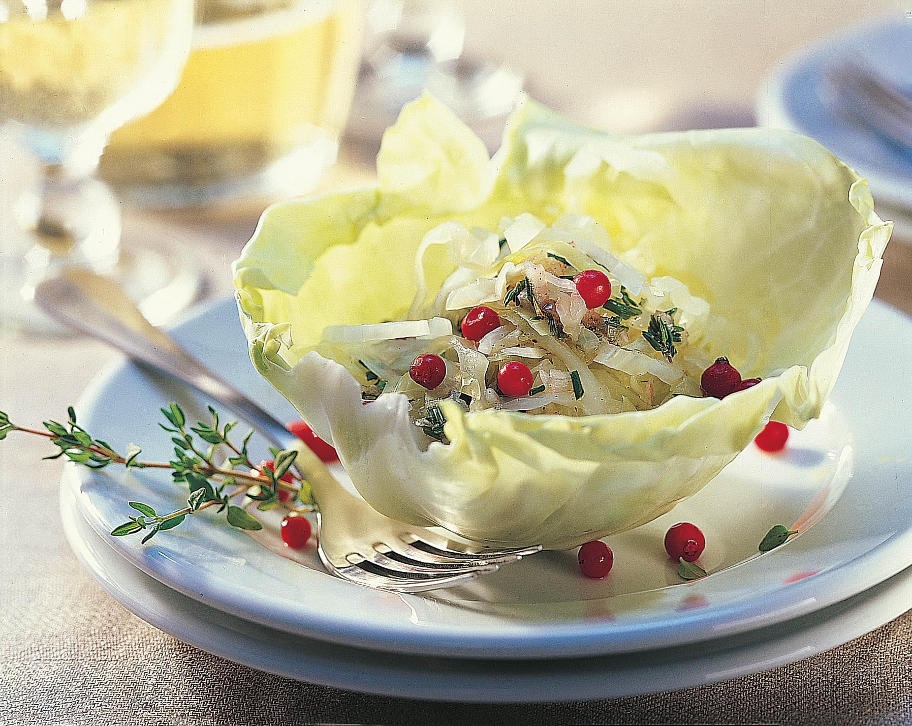Salade de chou blanc et sa vinaigrette aux airelles