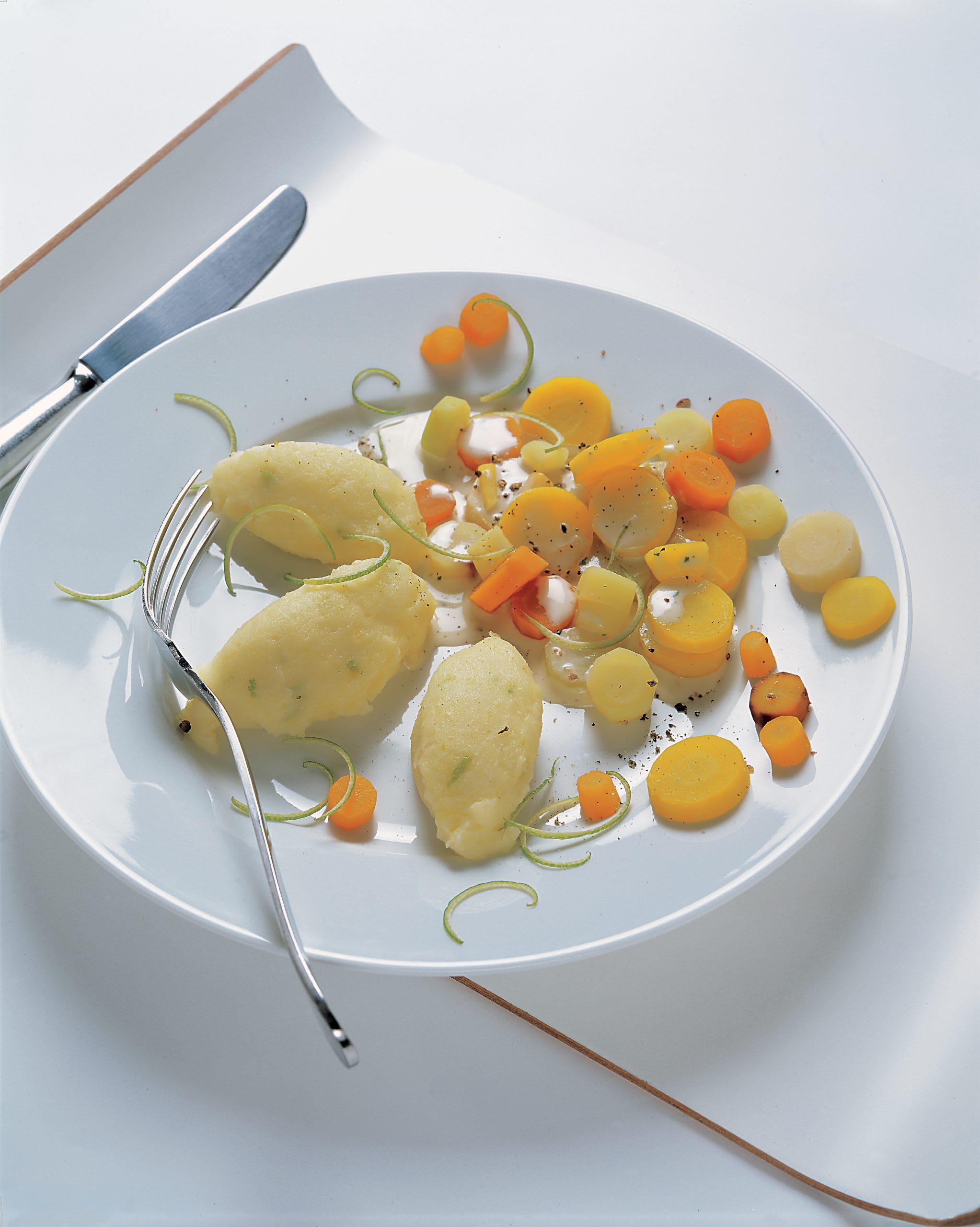 Légumes-racines, purée à l'ail et au citron vert