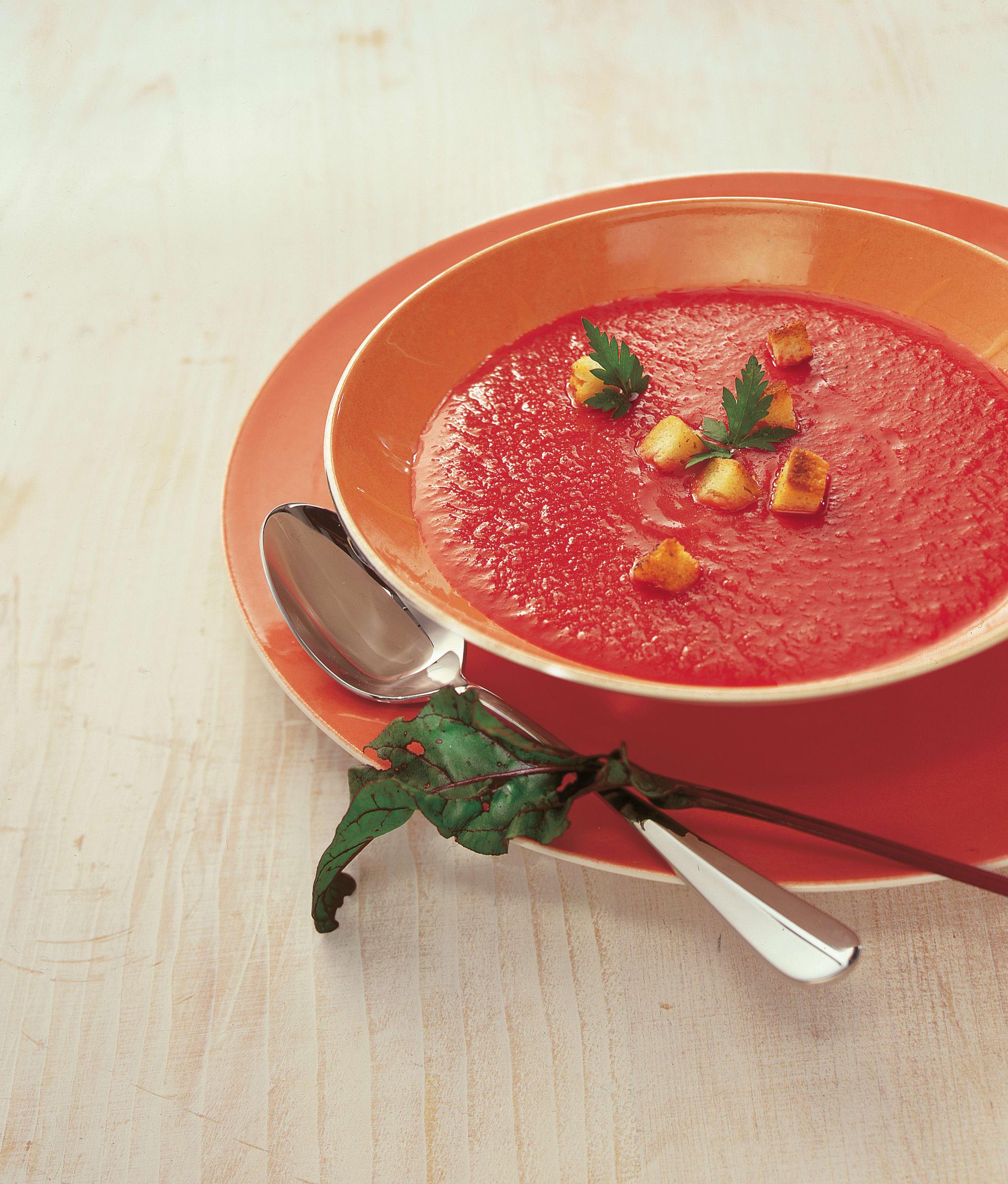 Soupe de légumes-racines (betterave rouge)