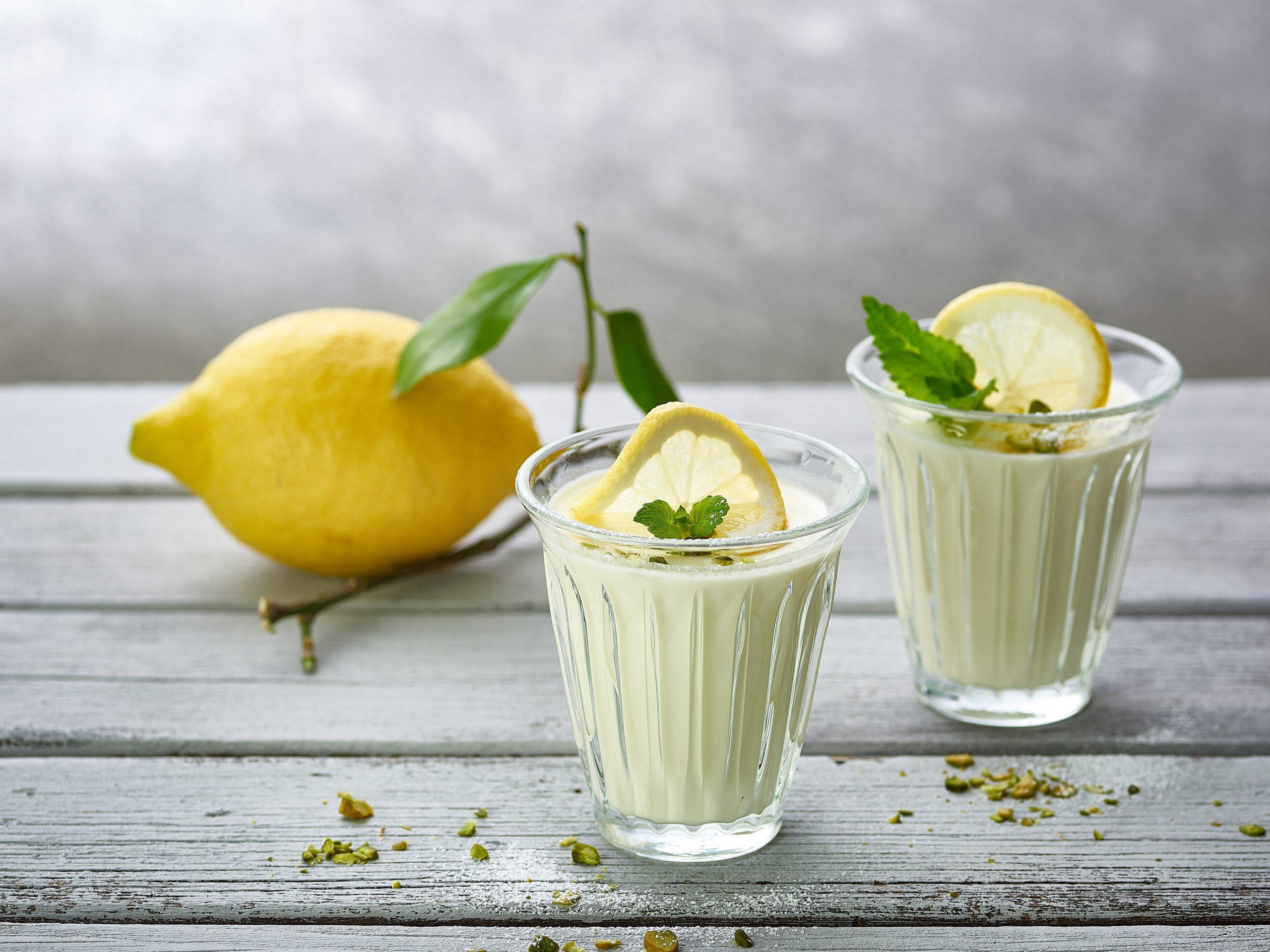 Zitronen-Panna-cotta