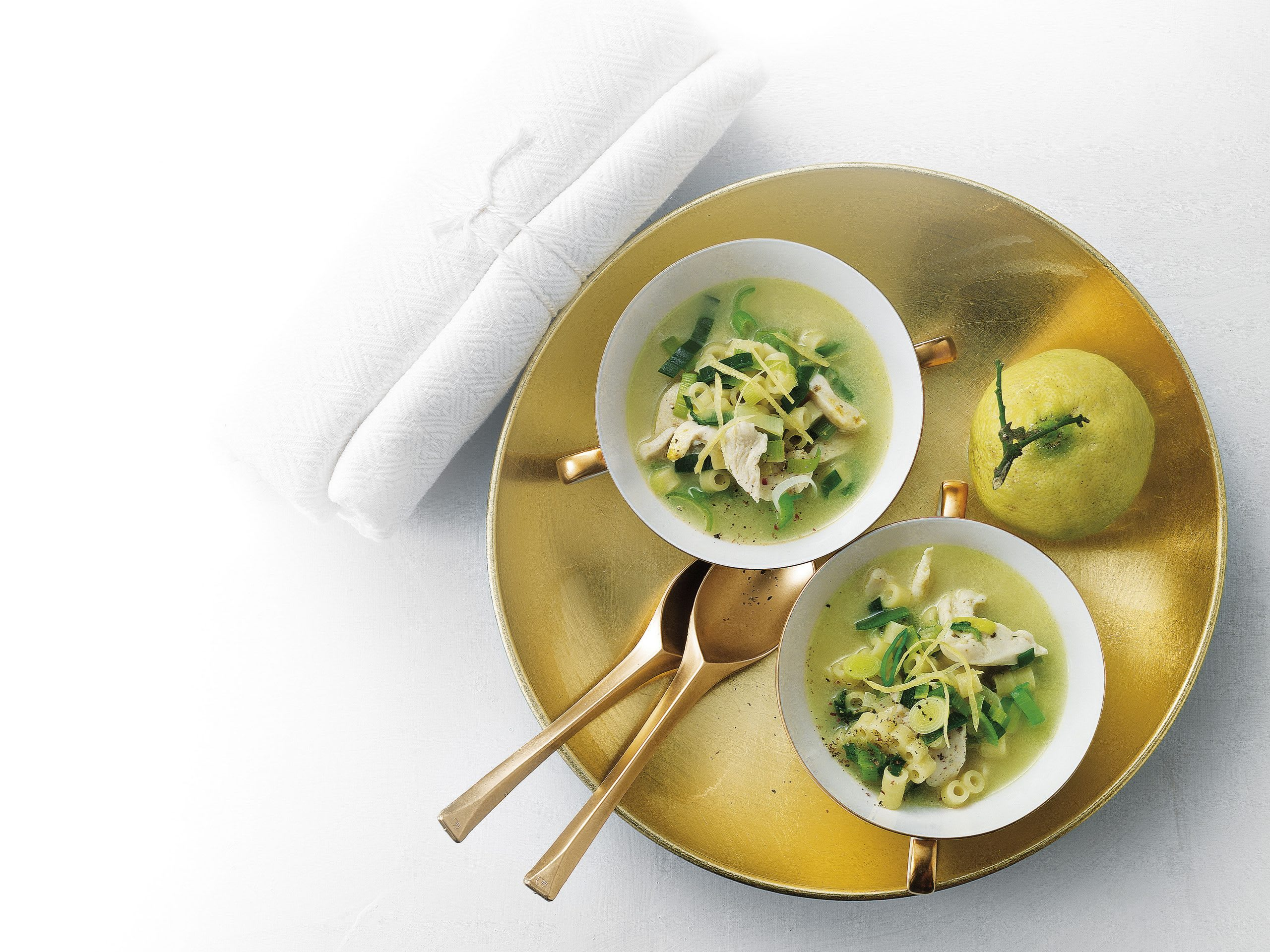 Zitronen-Poulet-Suppe