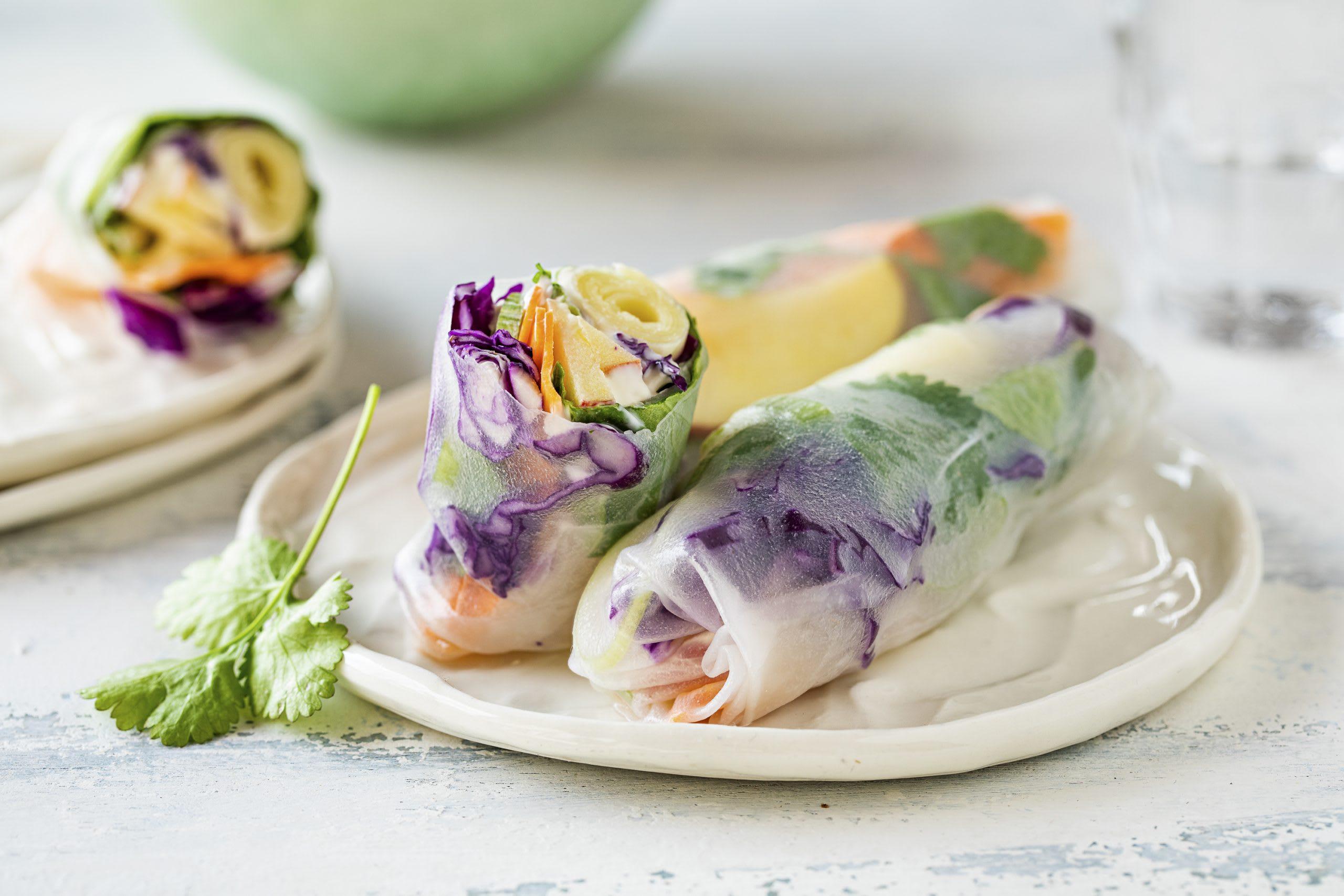 Vegetarische Sommerrollen mit Crème fraîche