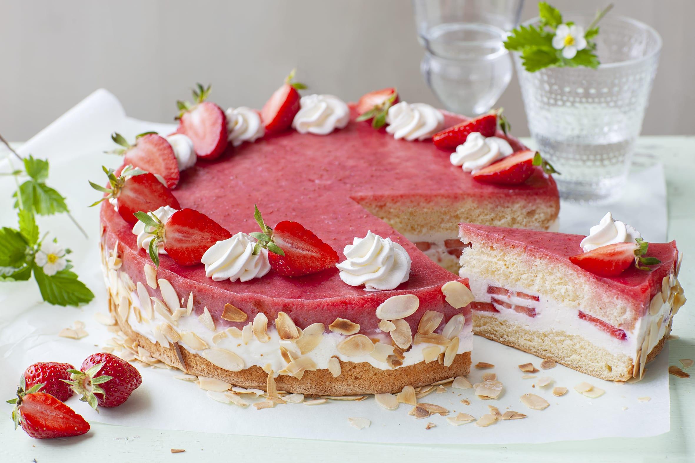 Tourte au yogourt et aux fraises